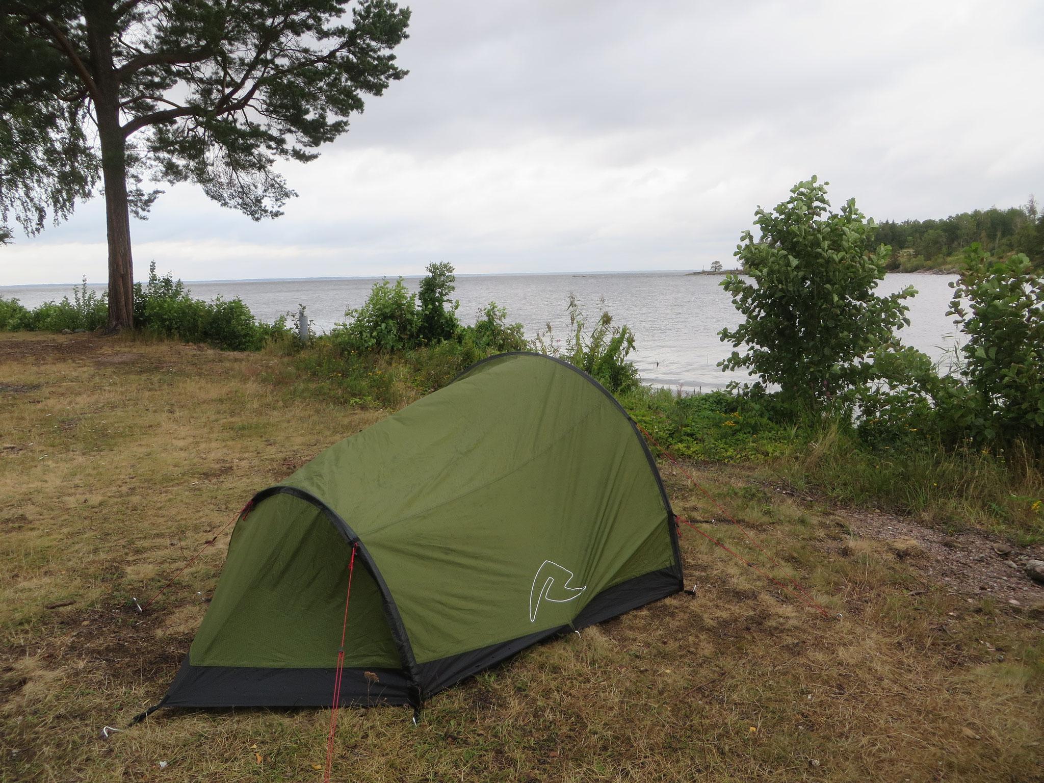 Einsamer Zeltplatz auf der Halbinsel Fiskeboda
