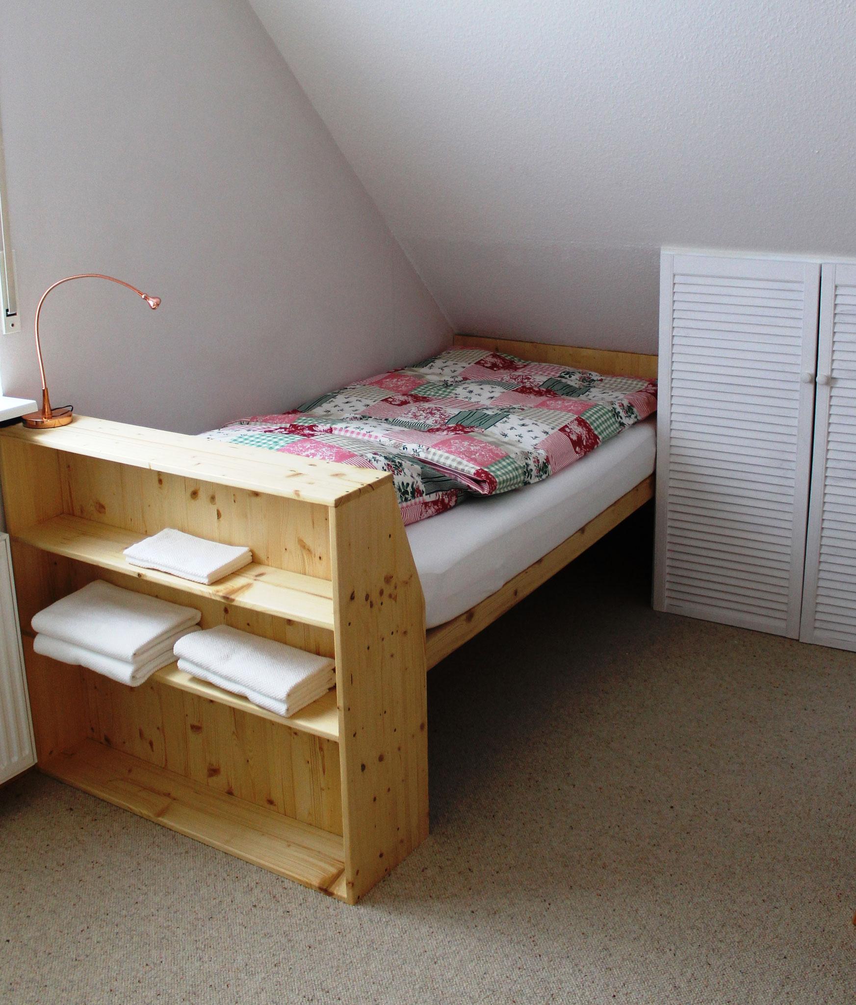 Einzelbett (100 x 200cm)