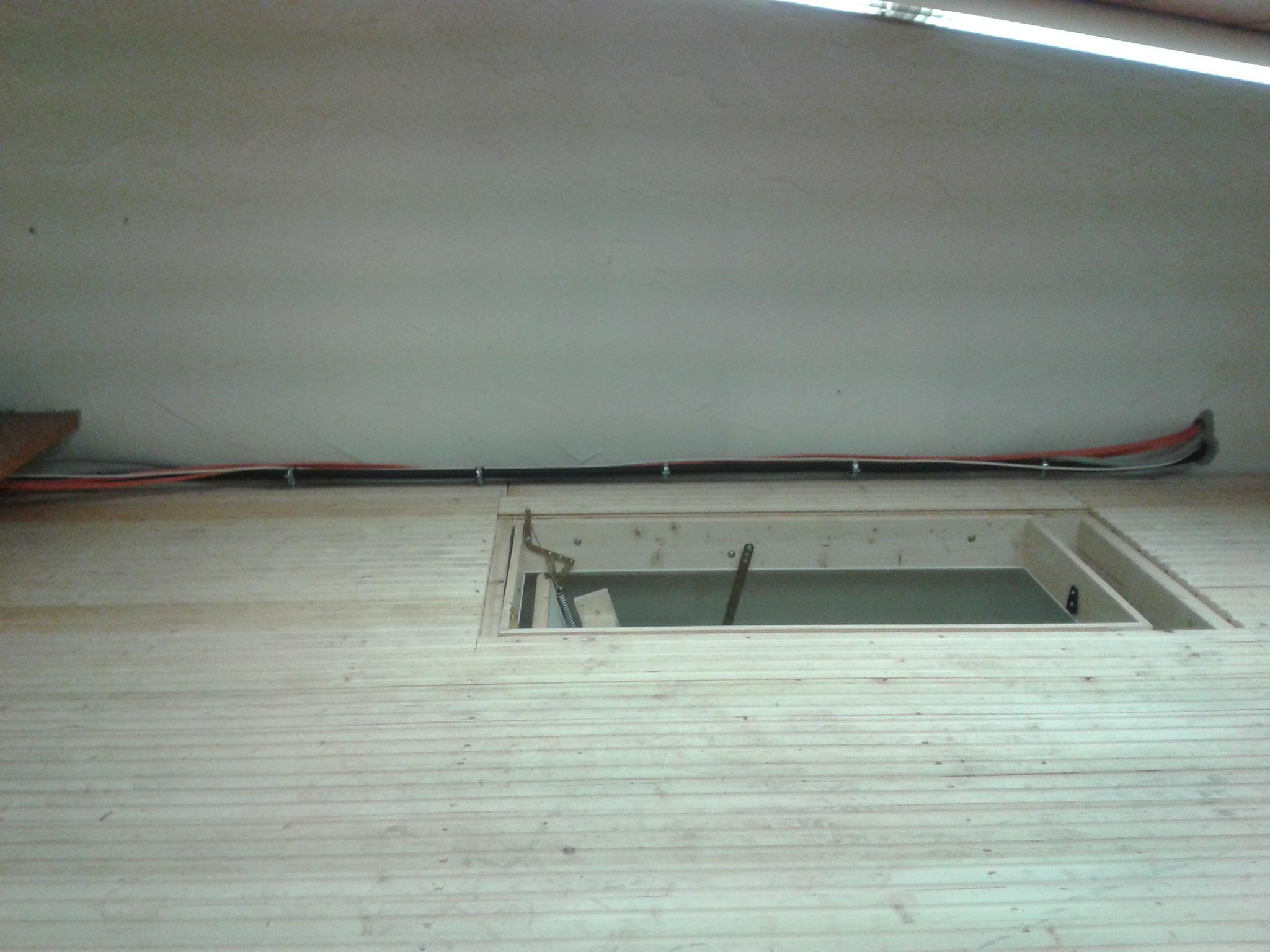 Der neue Dachboden über Dusche, Damen- und Herrentoilette.