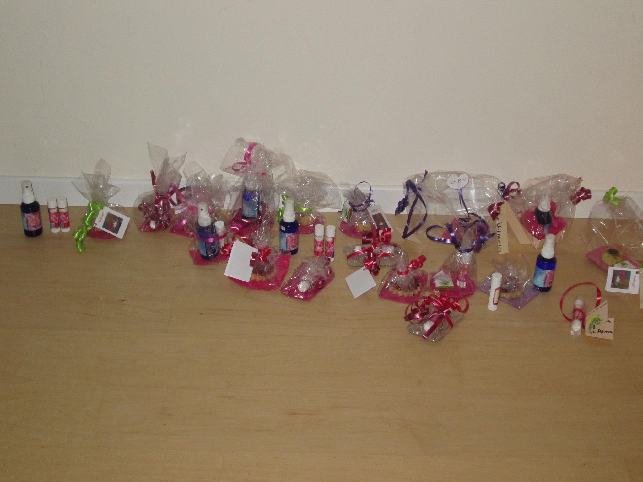 Hier sieht man wie kreativ die Kinder beim Einpacken der Geschenke waren! :-)