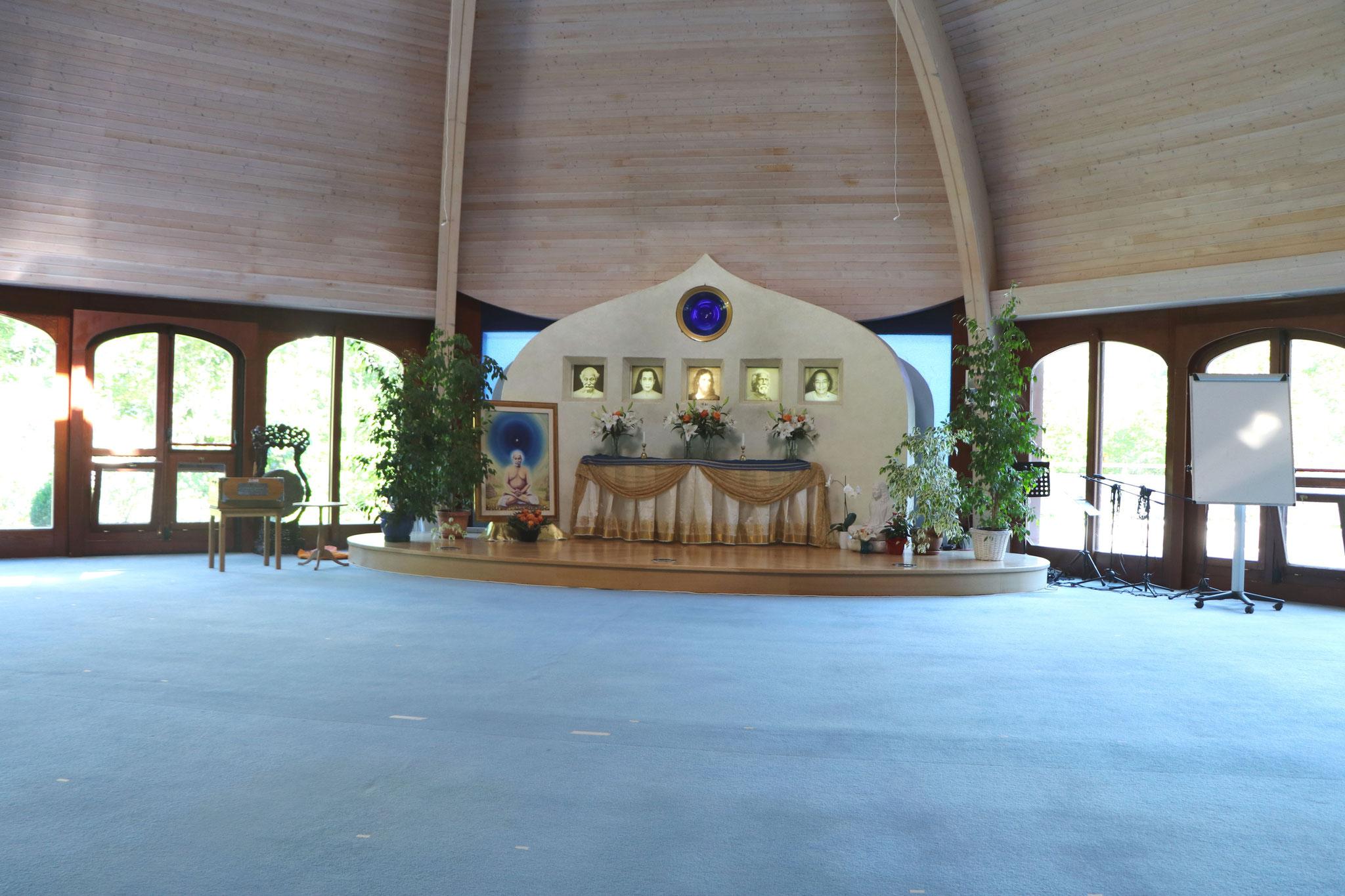 Yogananda-Tempel von innen