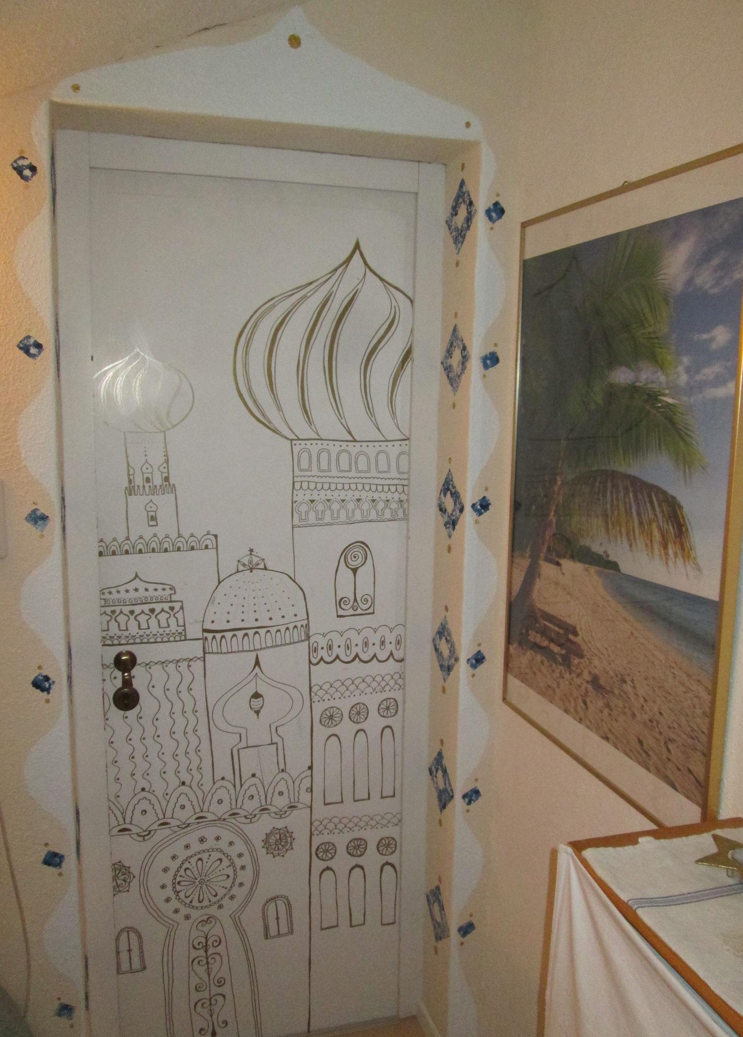 Auch Türen kann man orientalisch anmalen... :-)