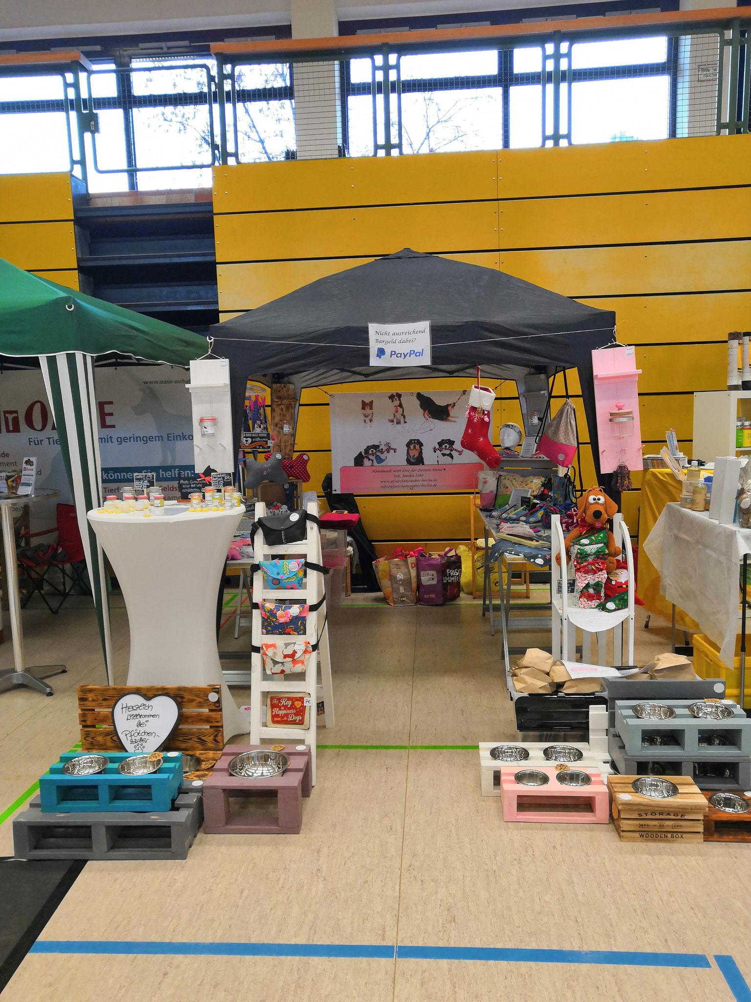 DogFair Stockstadt 09/2019 - Auswahl an Futter- und Napfbars