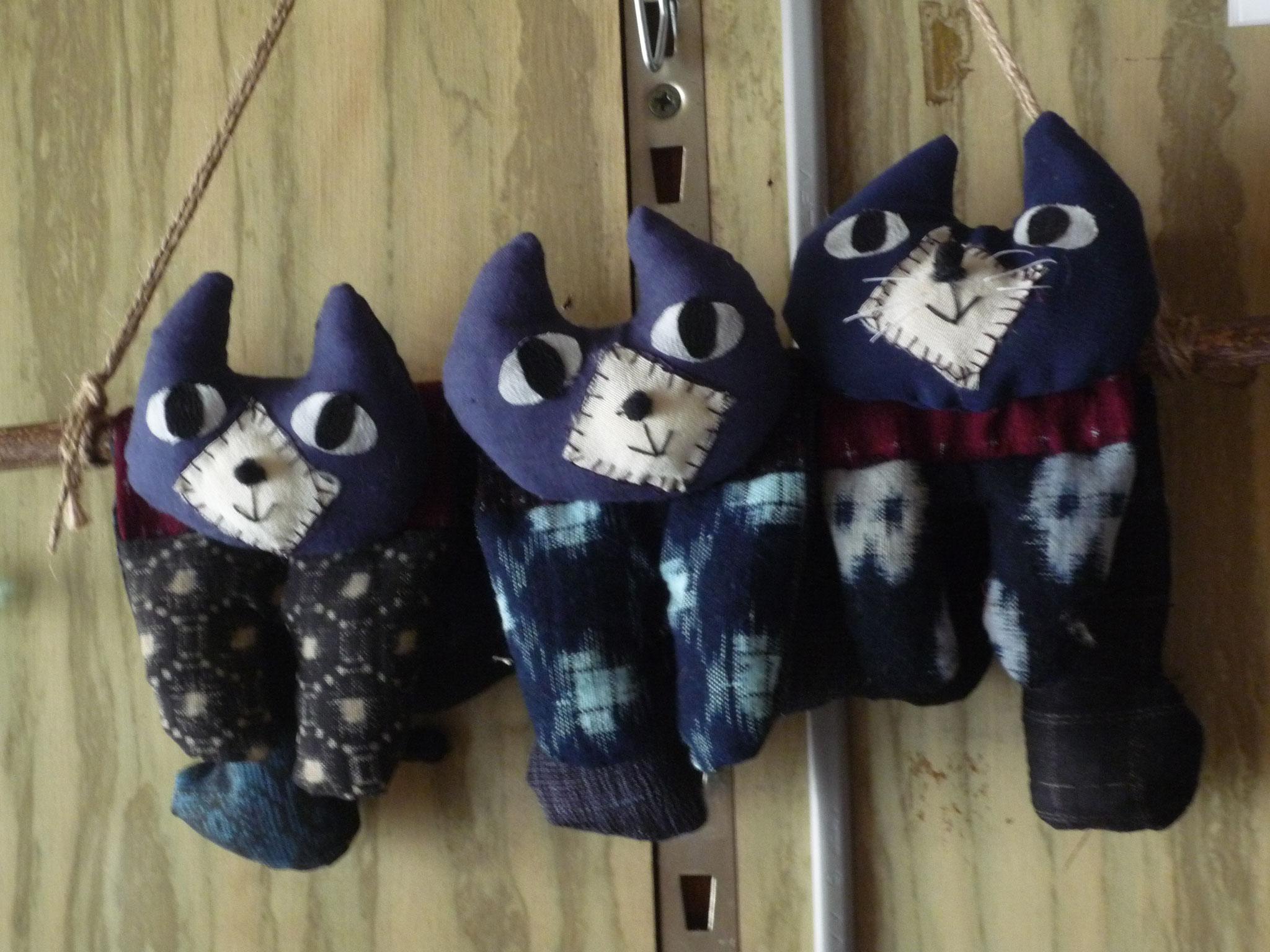 木綿の古布から猫兄弟