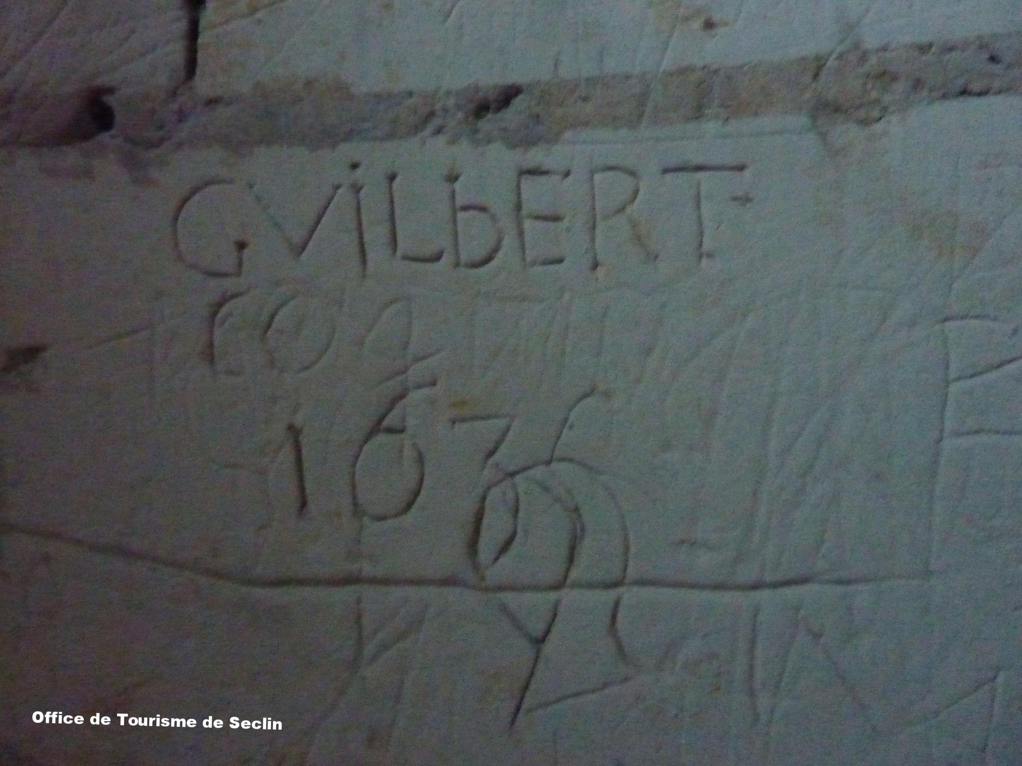 Collégiale St Piat de Seclin - Mur de la petit tour - Graffiti (crédit : Office de Tourisme de Seclin & Environs)