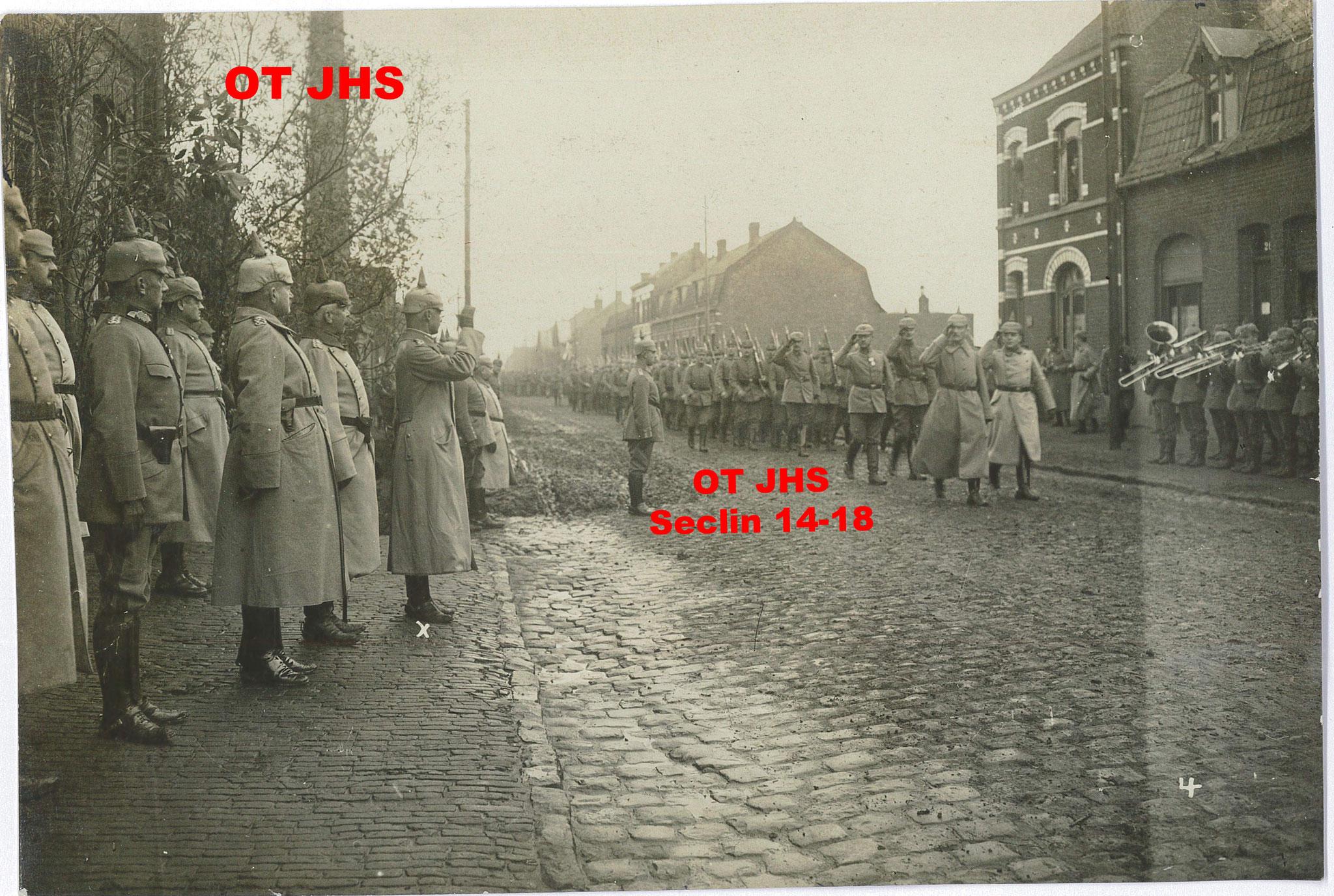 Parade, Novembre 1915 - Seclin ? lieu indéterminé - par Rupprecht Von Bayern & Von François (crédit : OT JHS - reproduction interdie)