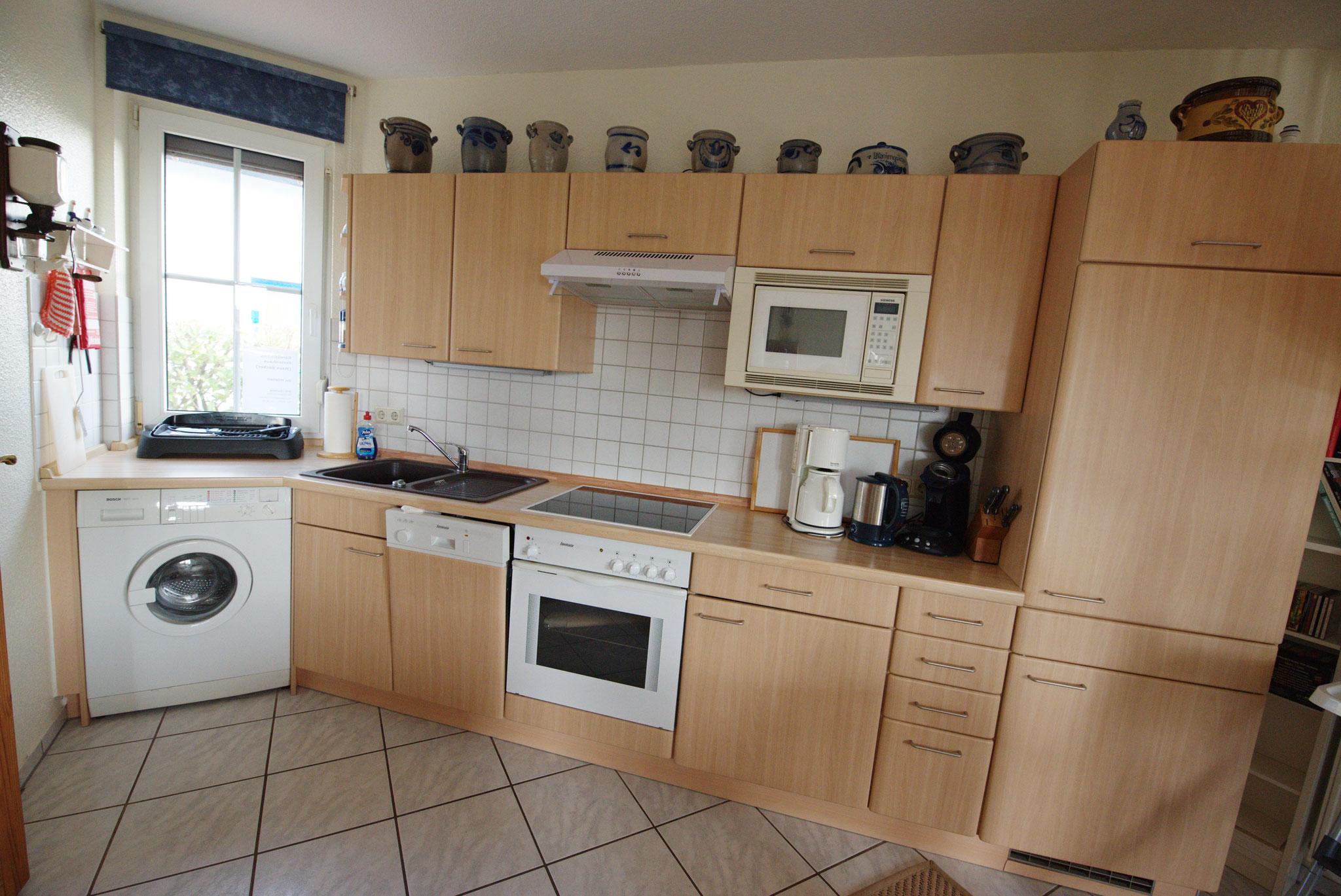 Küchezeile mit Waschmaschine