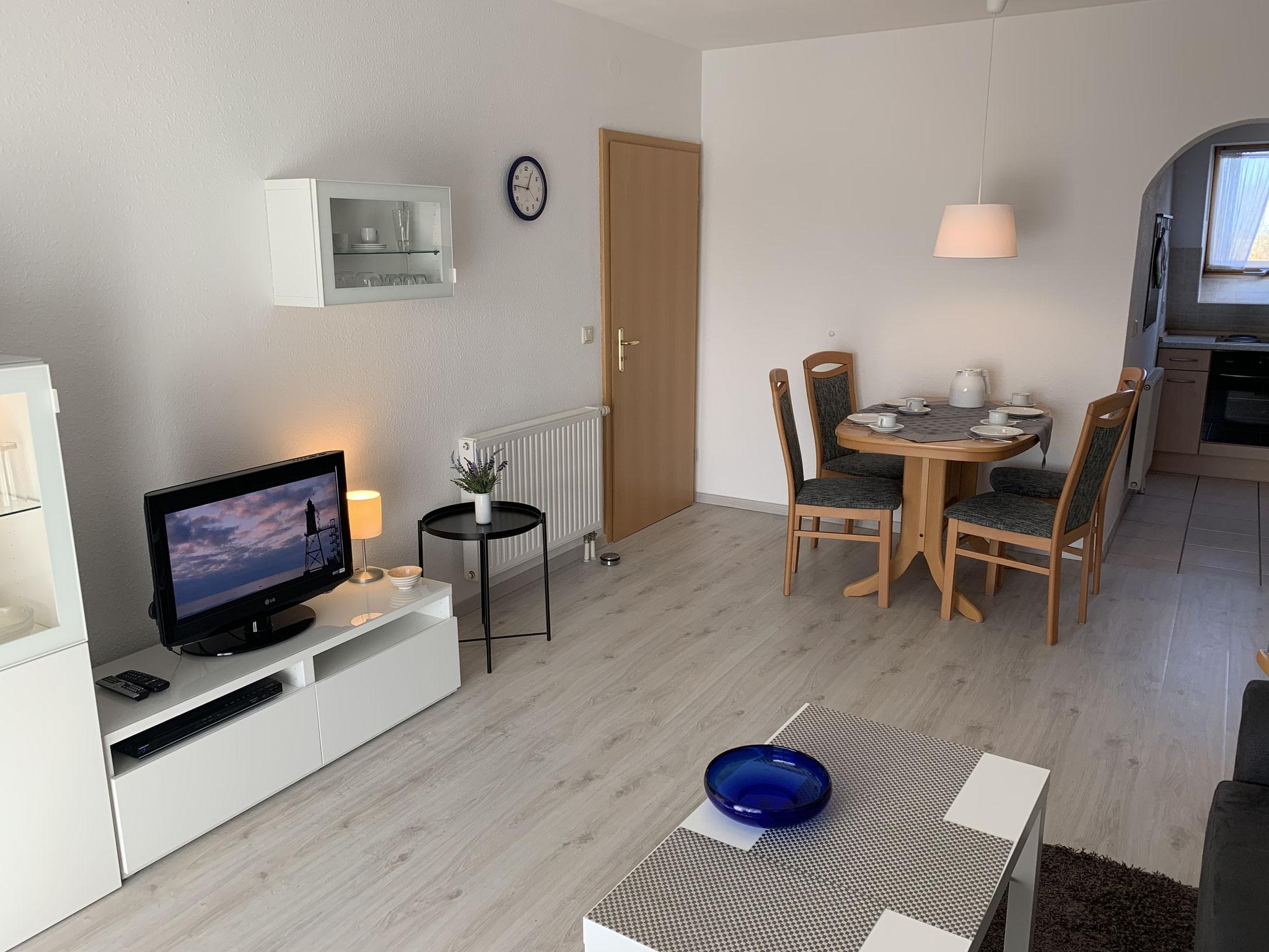 Wohnzimmer mit Wohnwand