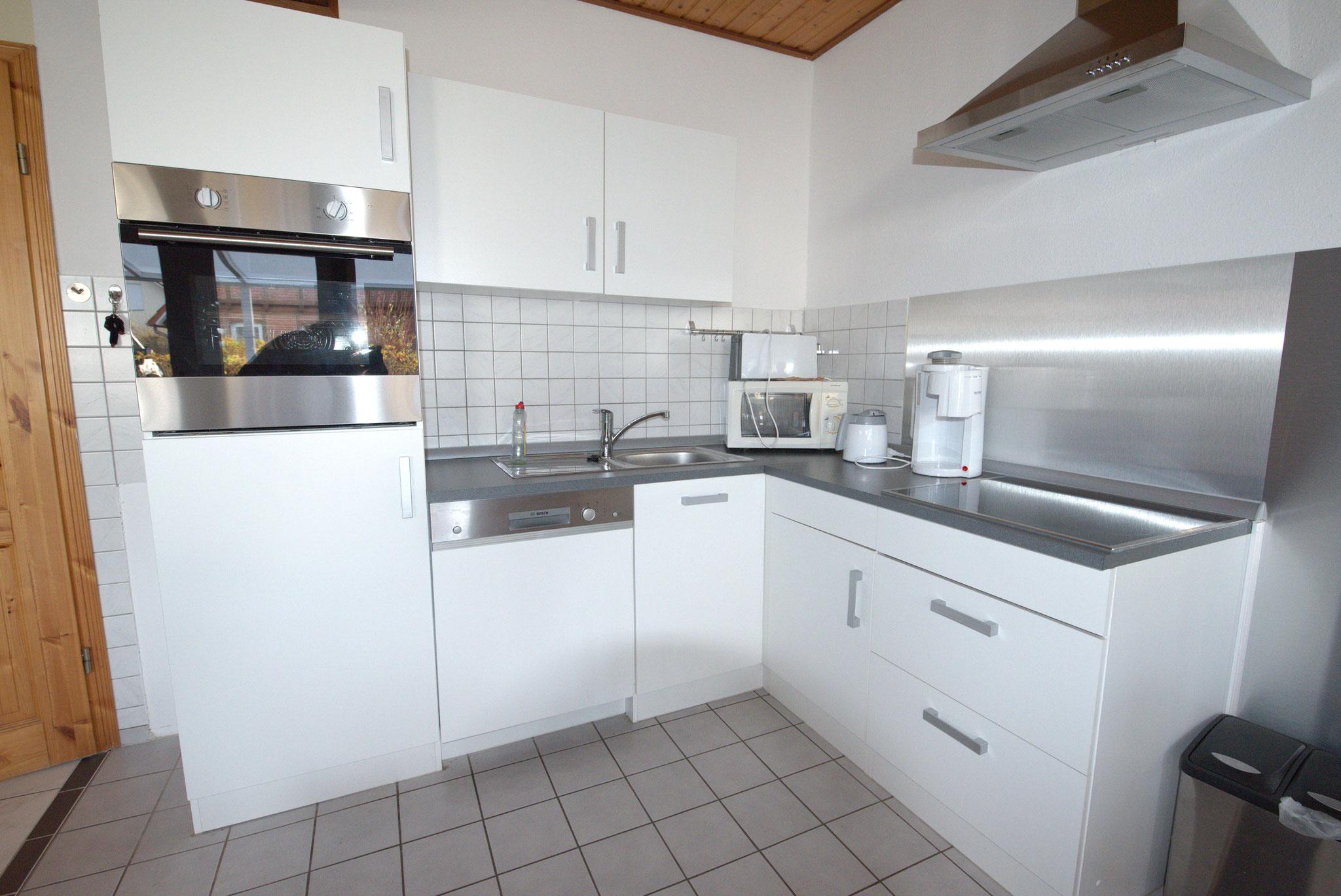 Küchenzeile im Wohn-Essbereich