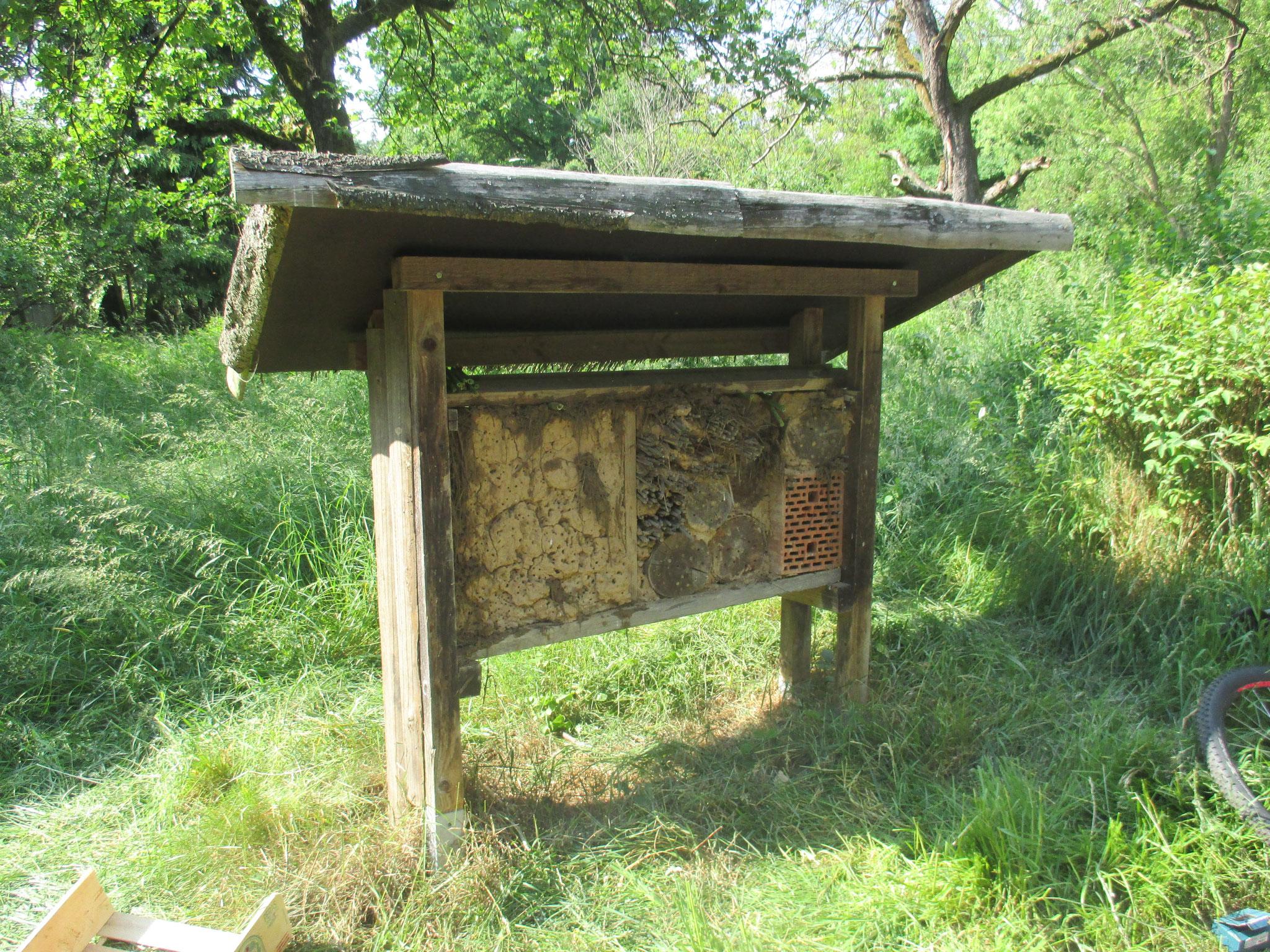 Insektenhotel auf den Heuchelheimer Obstwiesen