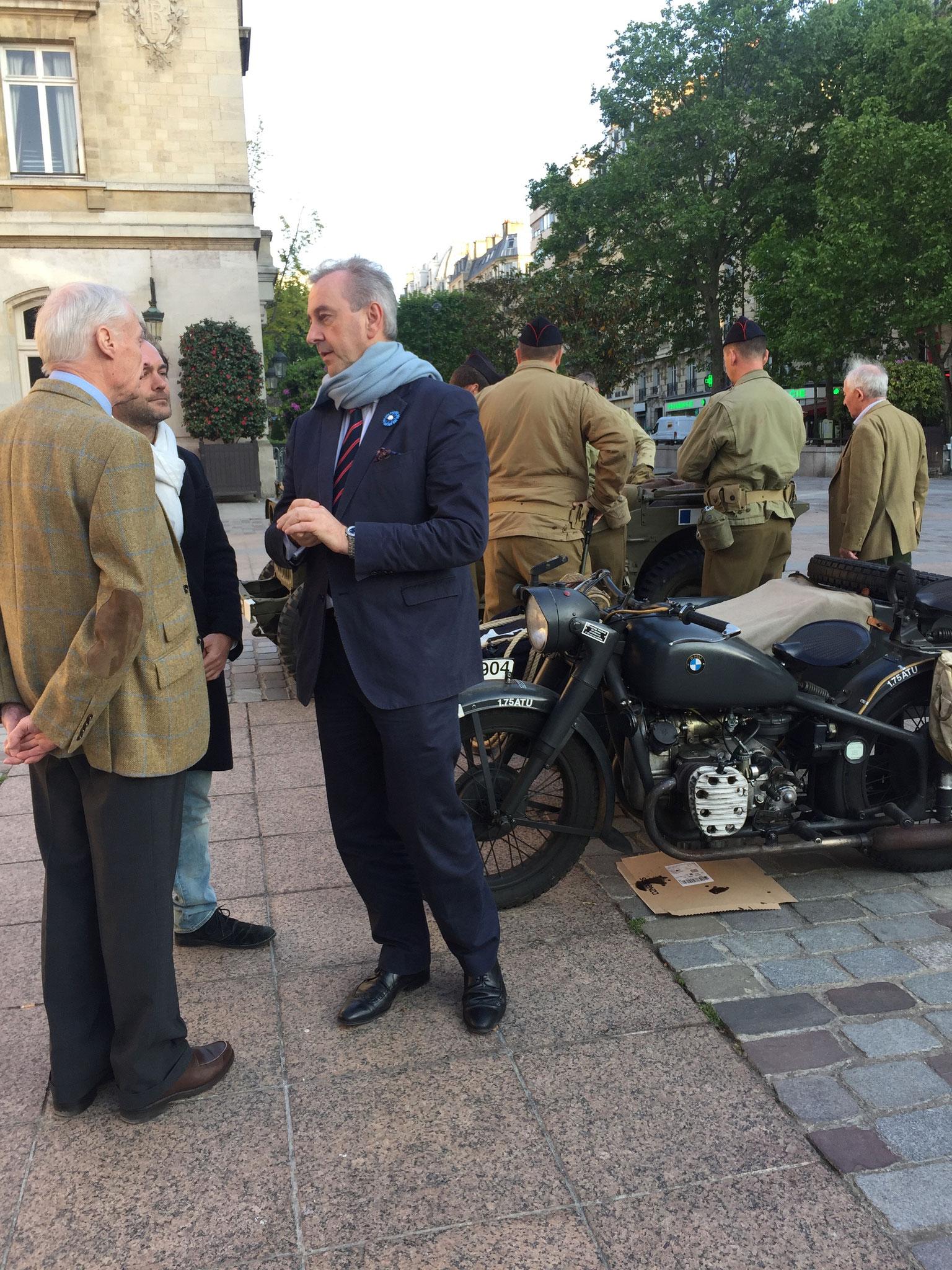 Commémoration du 8 Mai à la Mairie du 15è - François POTIÉ LUSSIGNY échange sur les enjeux de la Défense