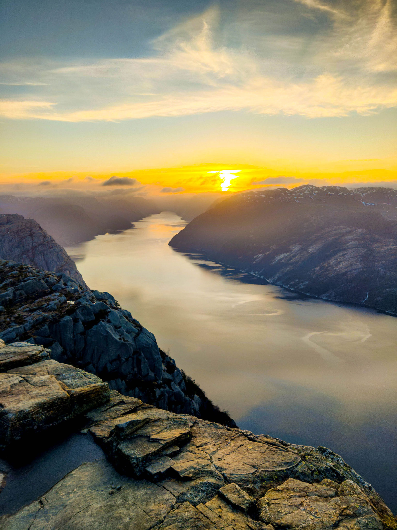 2. Platz: Sonnenaufgang über Preikestolen (Foto: Paul)