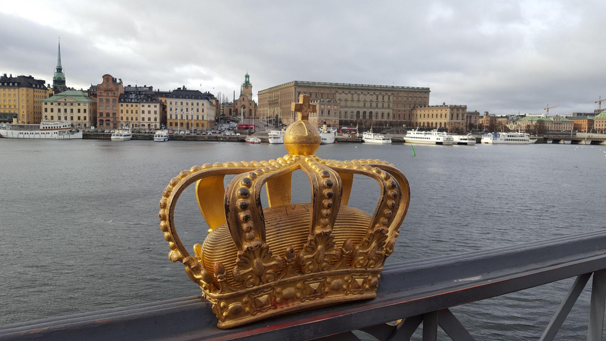 Blick auf das königliche Schloss und die Altstadt in Stockholm