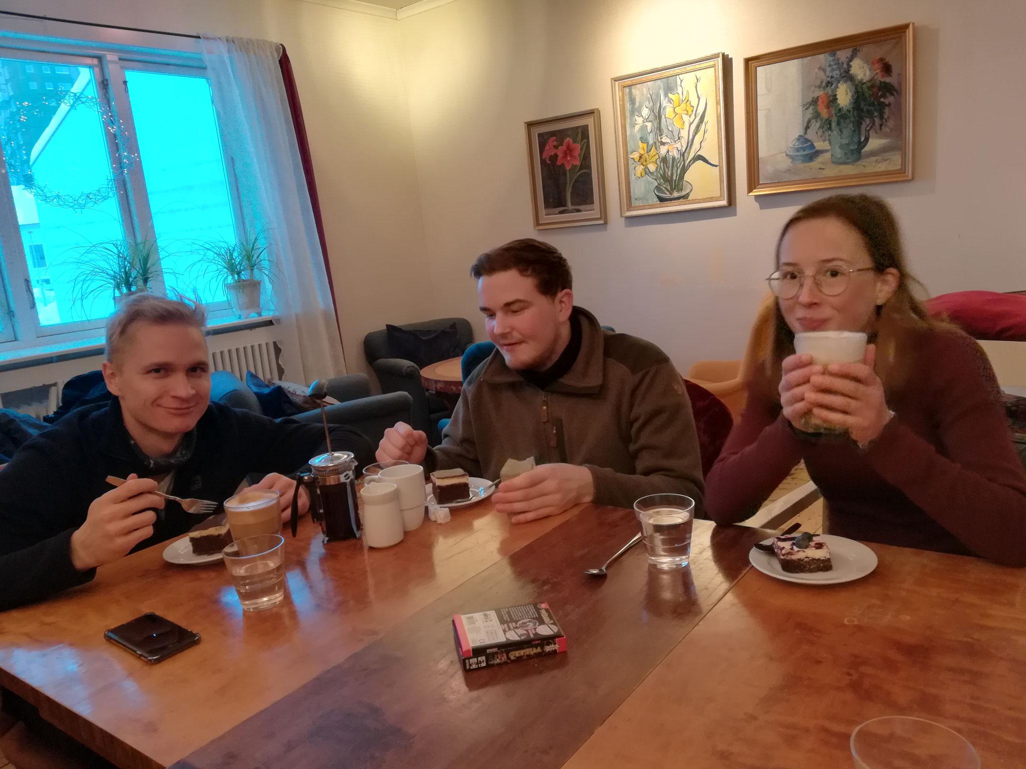 v.l. Max, Konrad und Hannah bei der Abschlussfika