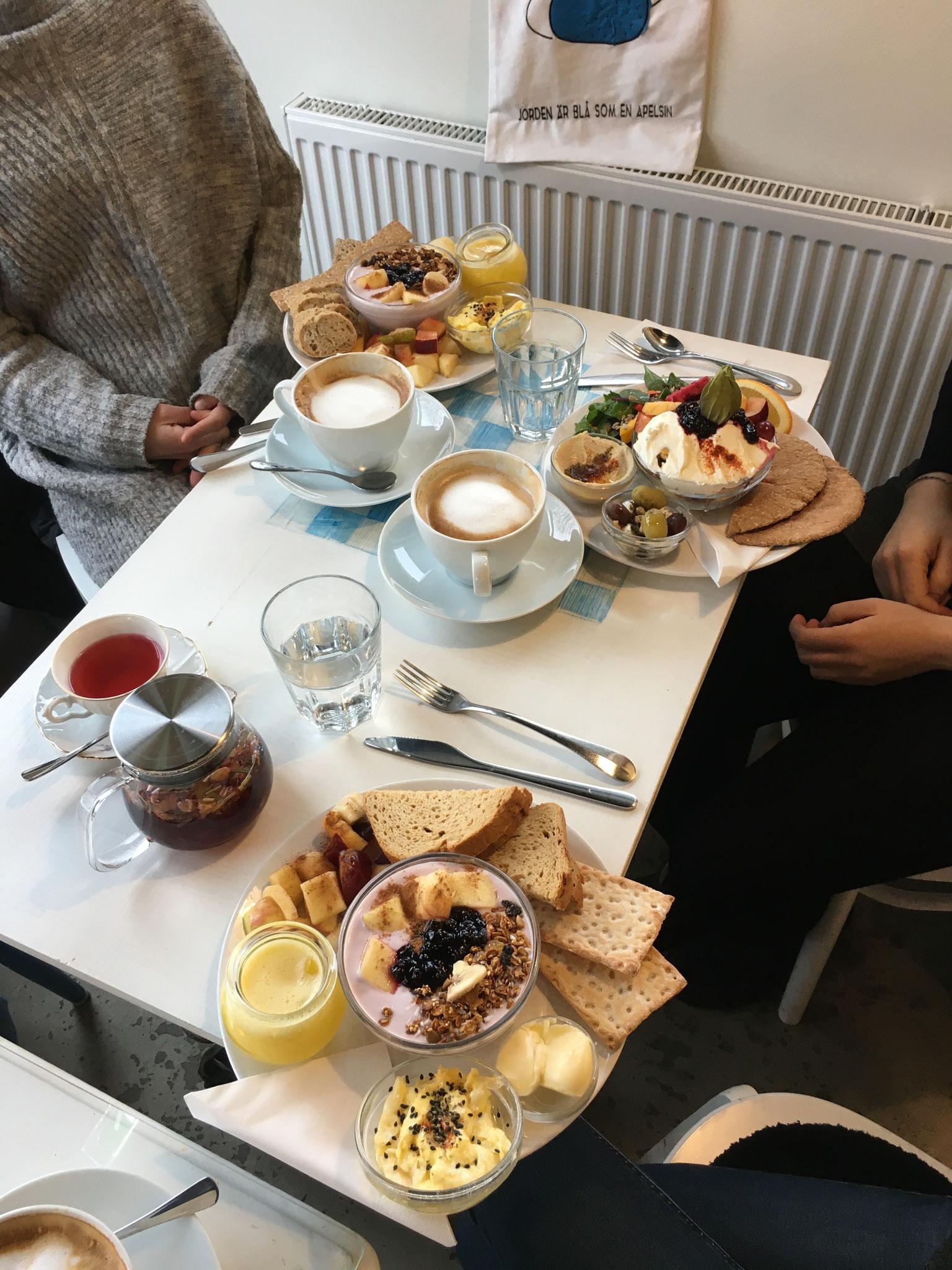 Frühstück im Lieblingscafé
