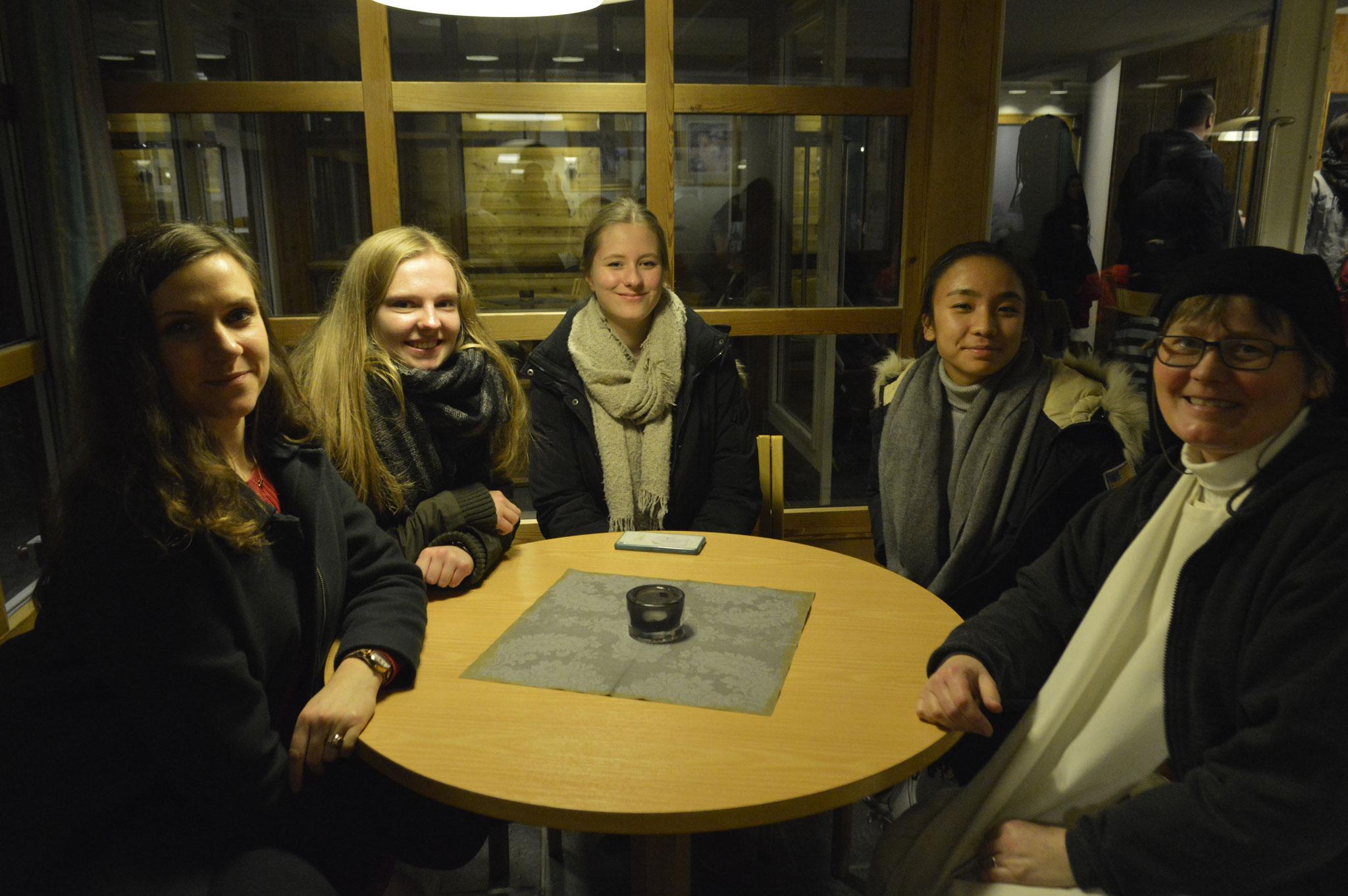 Ausflug nach Gjørvik mit den Freiwilligen des Katarinahjemmets und Sr. Ane-Elisabet