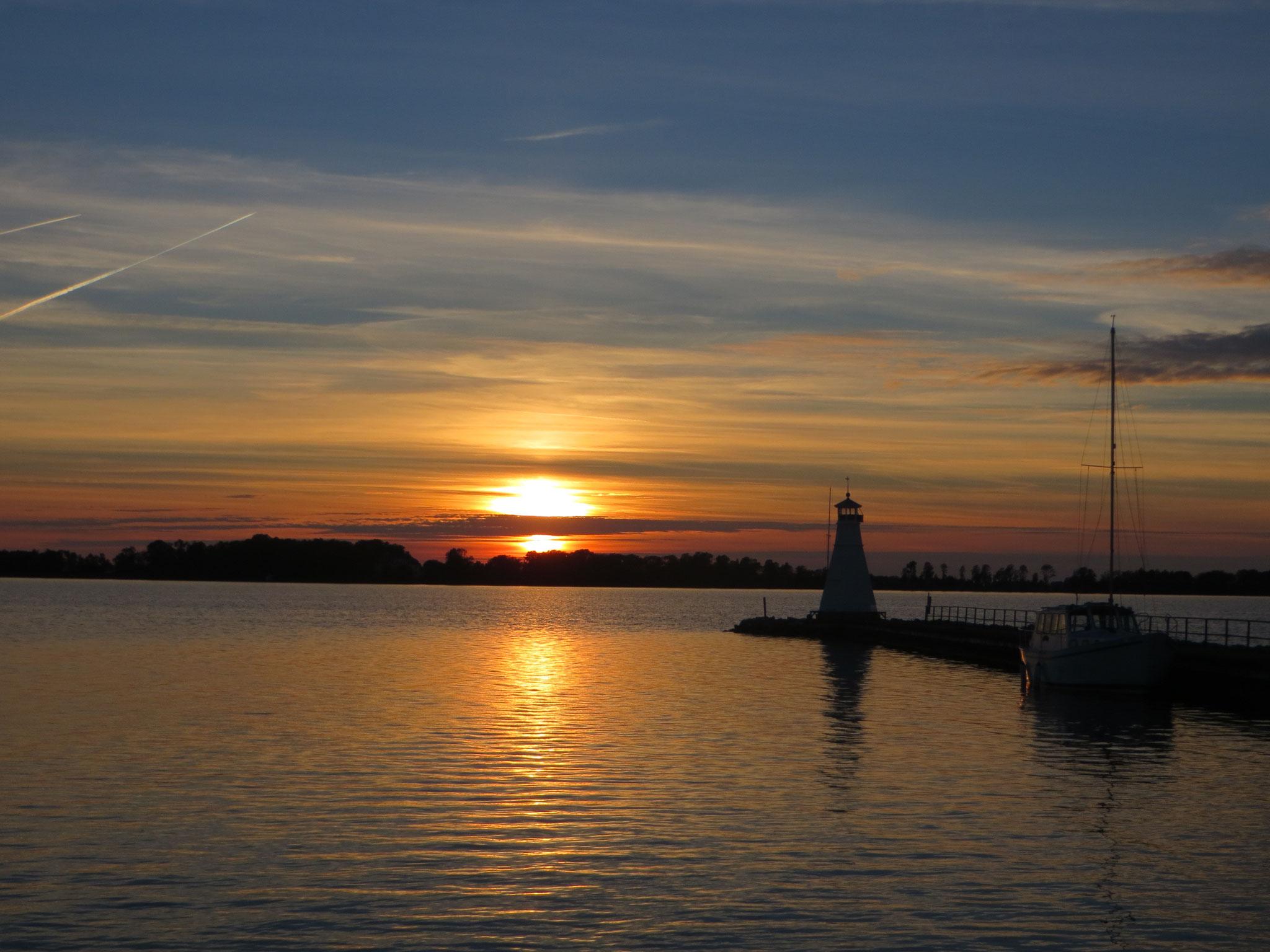 Sonnenuntergang am Vätternsee in Vadstena
