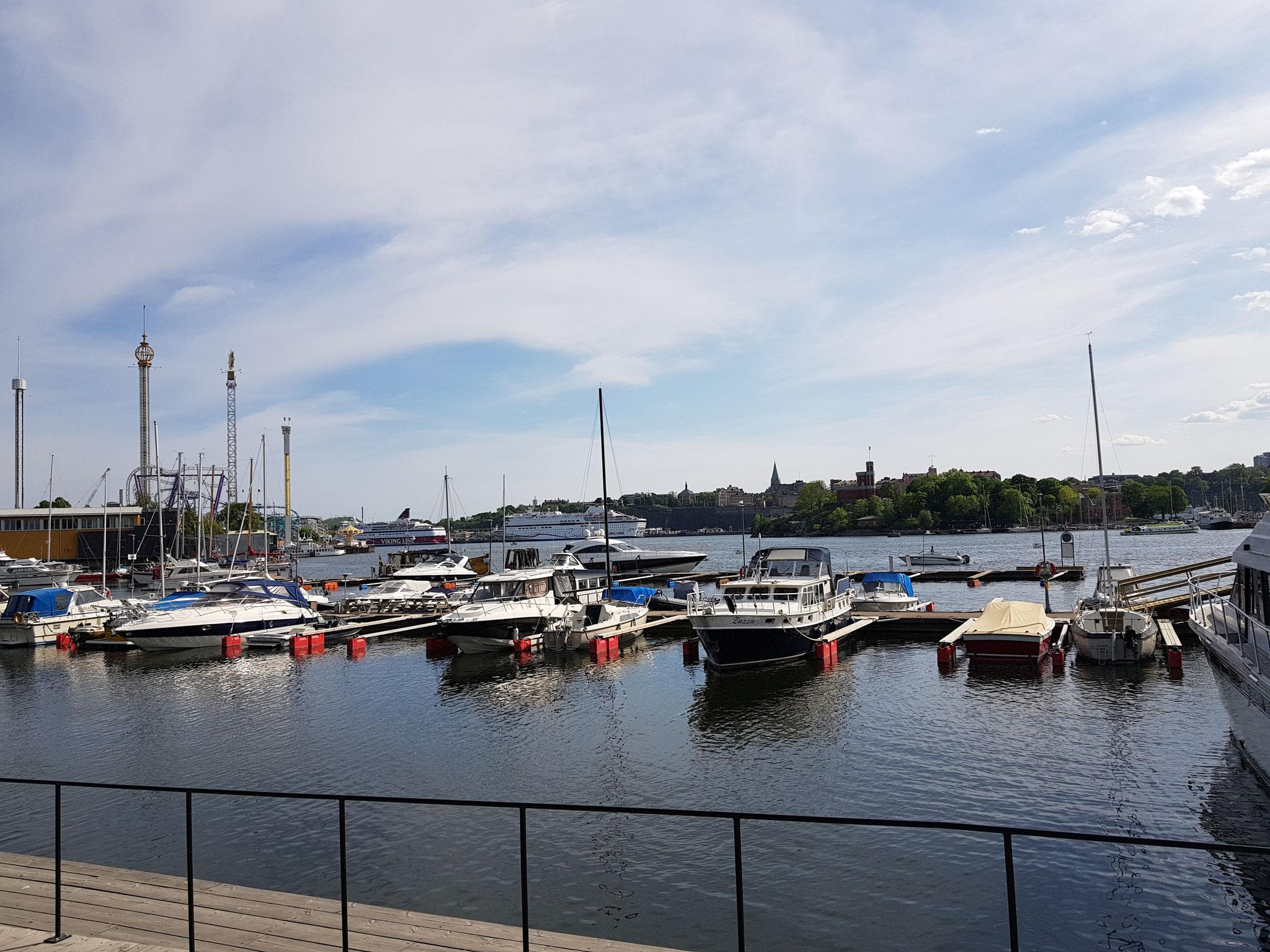 """Blick auf den Freizeitpark """"Gröna Lund"""" in Stockholm"""