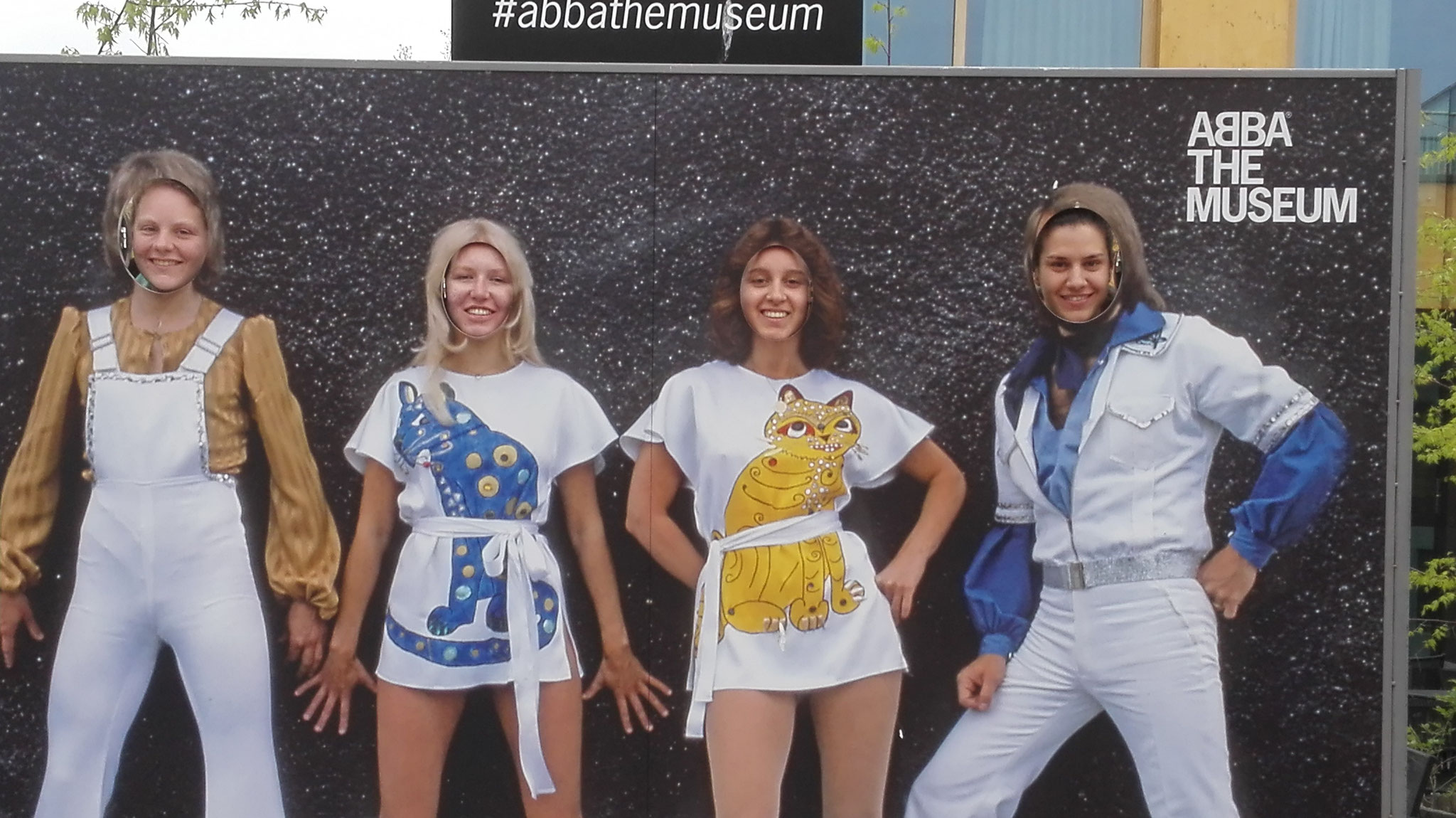 Maris Lohmöller, Anne Hemken, Raphaela Polk und Matea Renic beim Besuch des ABBA-Museums in Stockholm