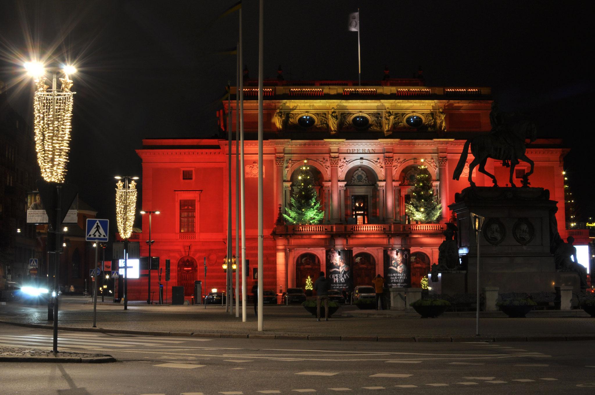 Die Oper bei Nacht
