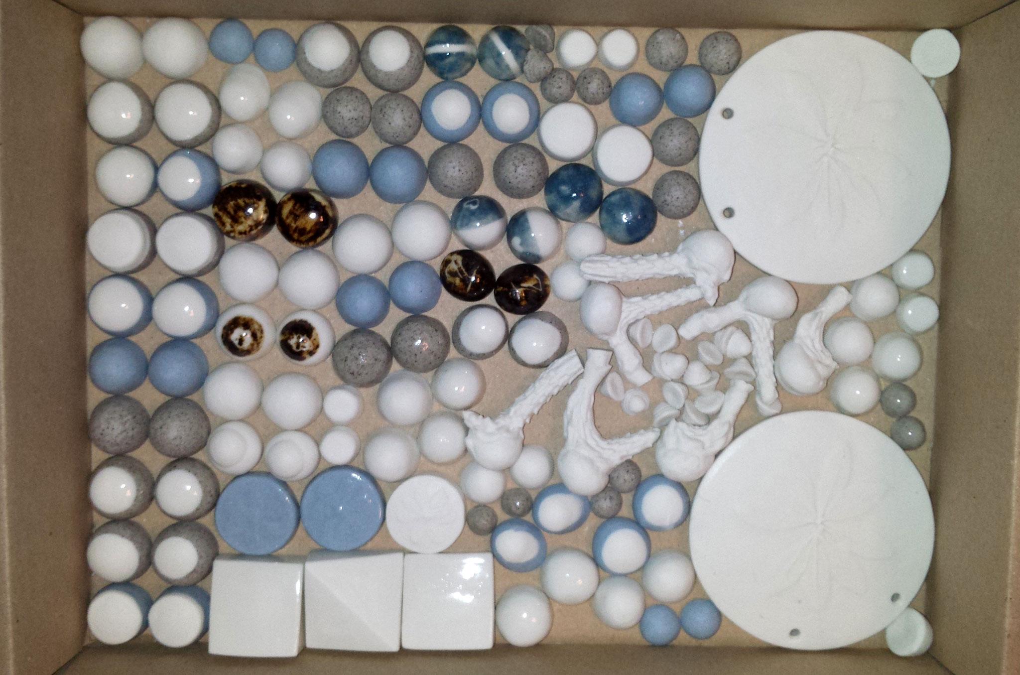 gefärbte Porzellan-Inlays, z.B. für Manschettenknöpfe