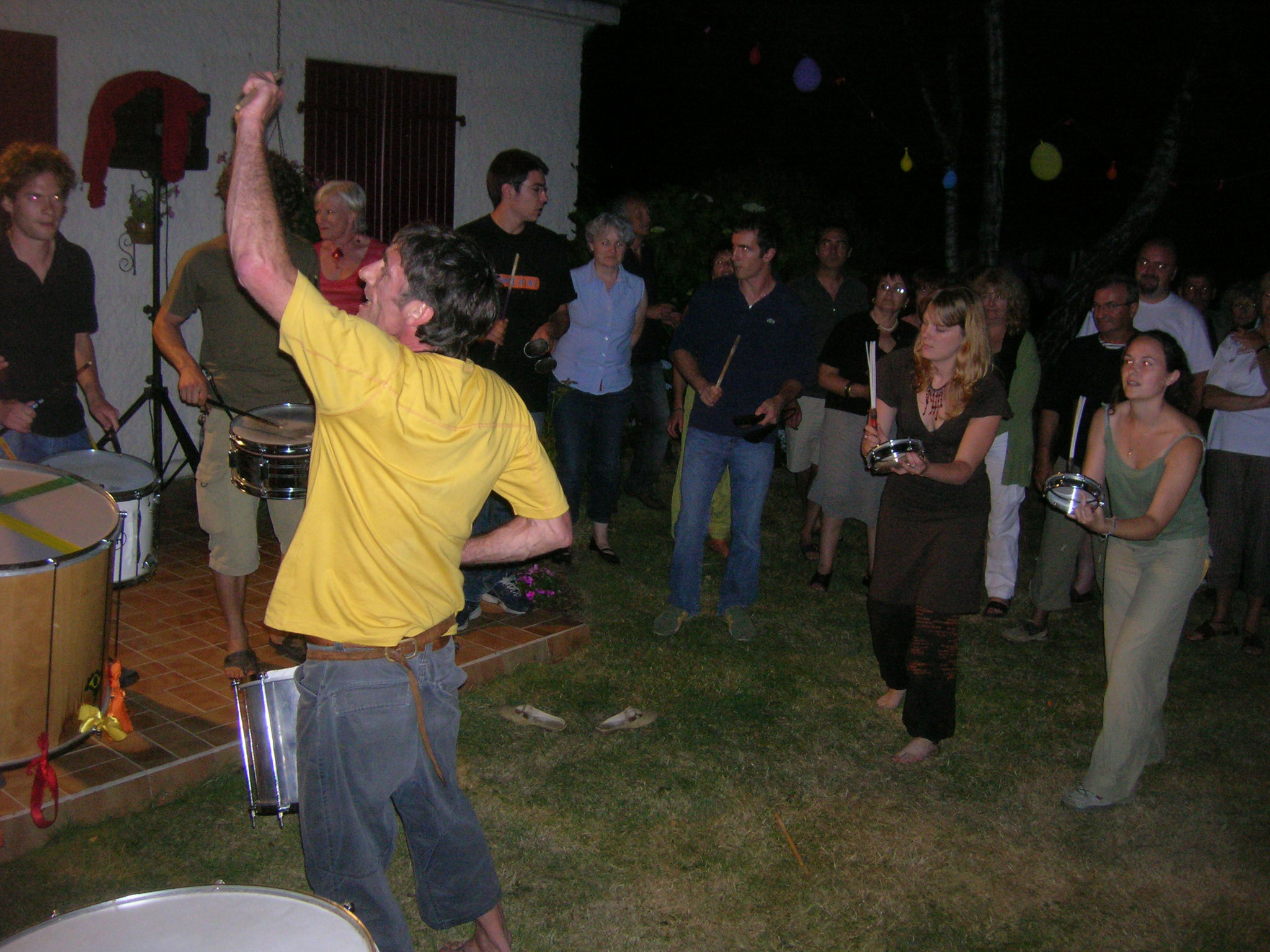 Prestation privée, 2005 (les filles au tamborim sont arrivées !)