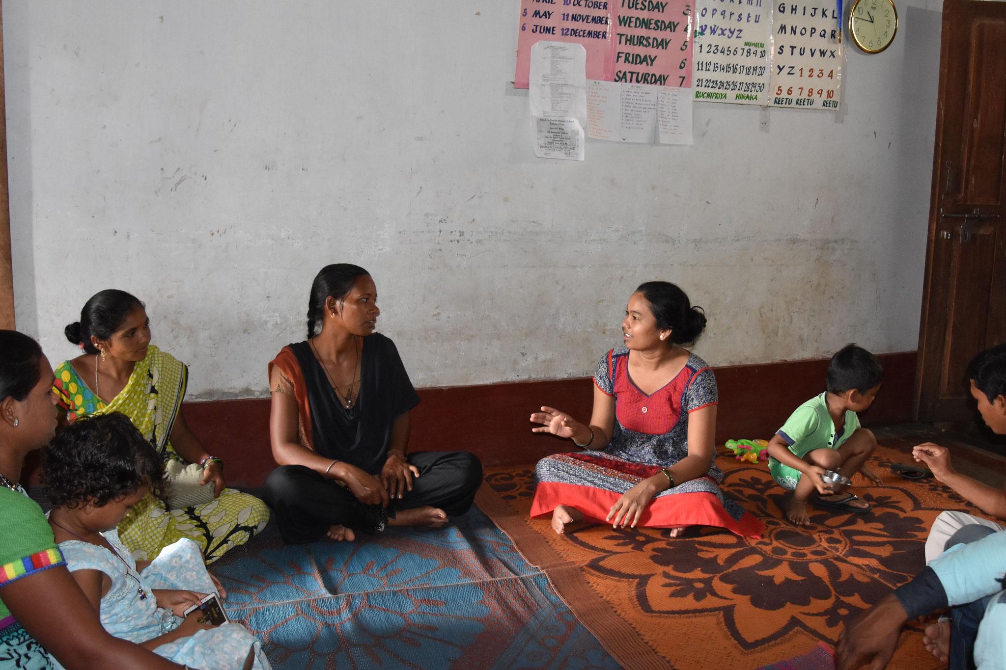 Sitzung mit dem Team in den Dörfern