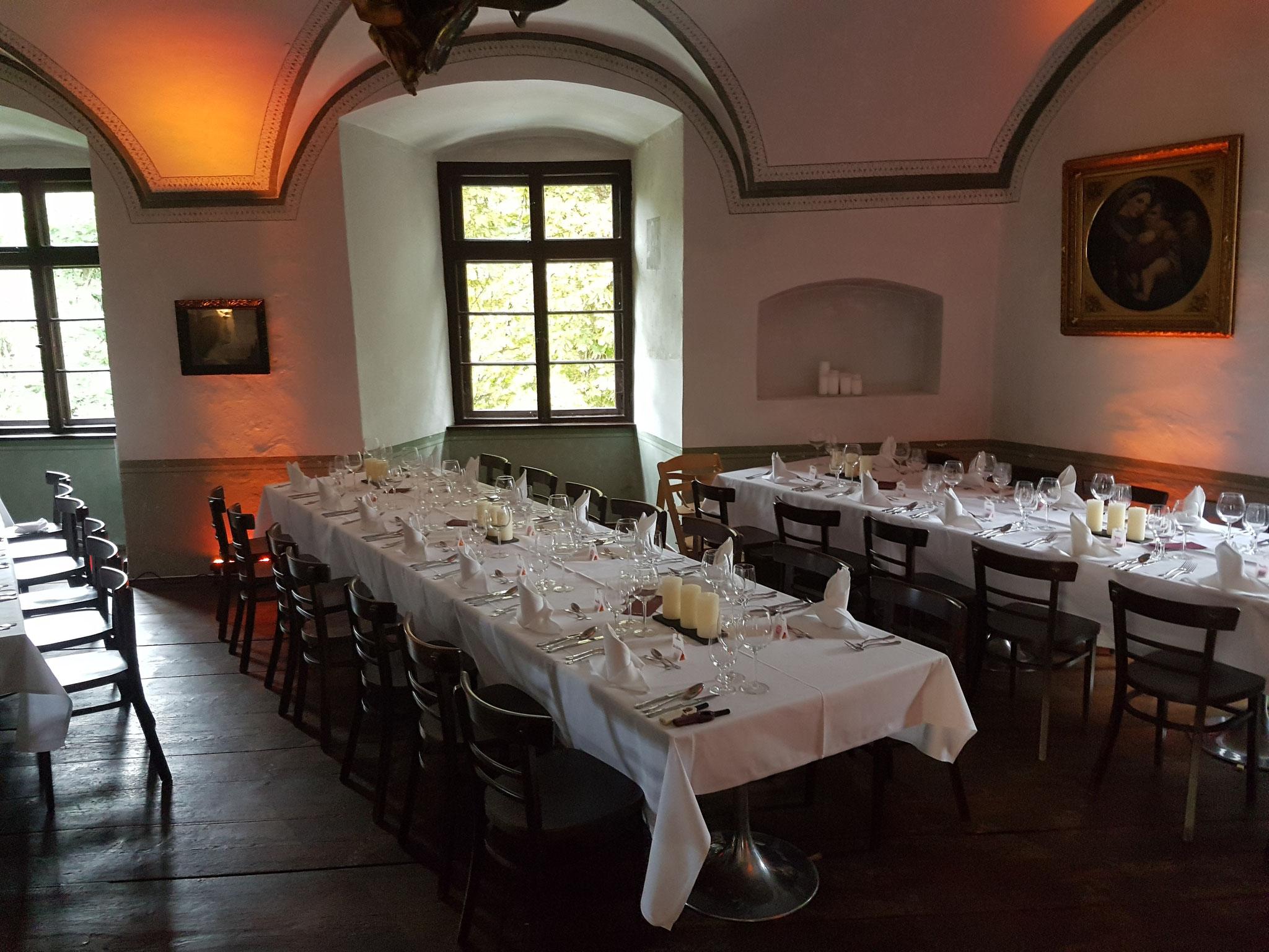 Freie Trauung auf Schloss Guttenburg Mit Nora & Wolfi