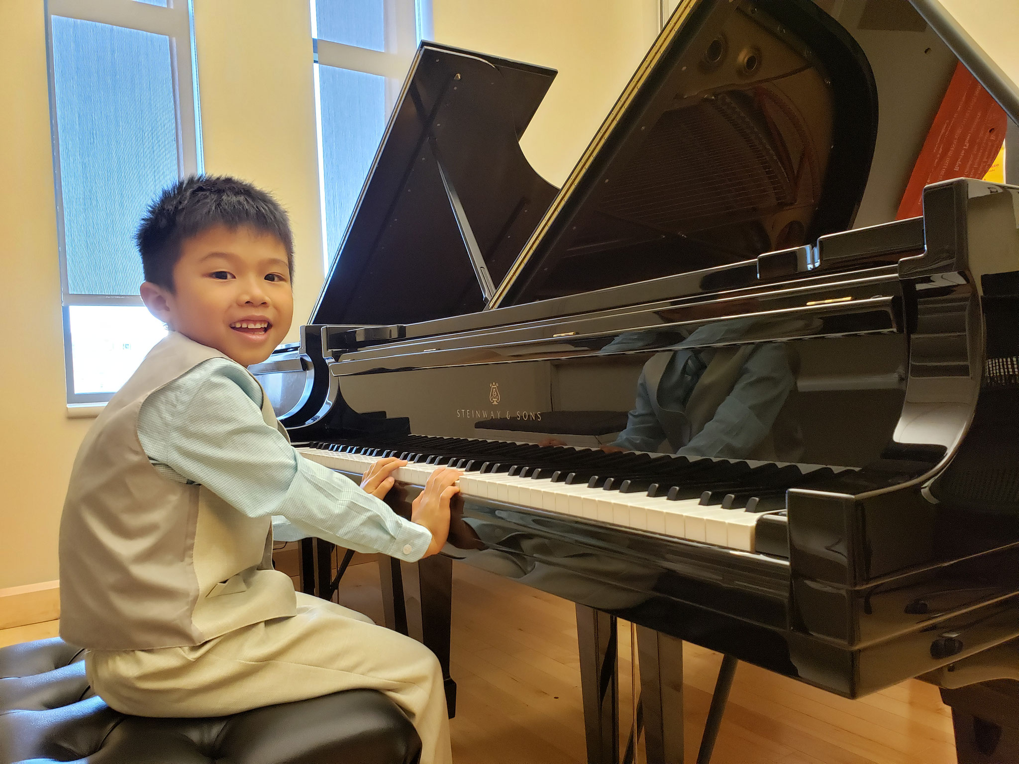 "DAMON CHAN WON THE 3rd PRIZE AT THE INTERNATIONAL COMPETITION ""THE ART OF PIANO"" - GCC SERIES! (student of Indiana University JSoM YP program)"