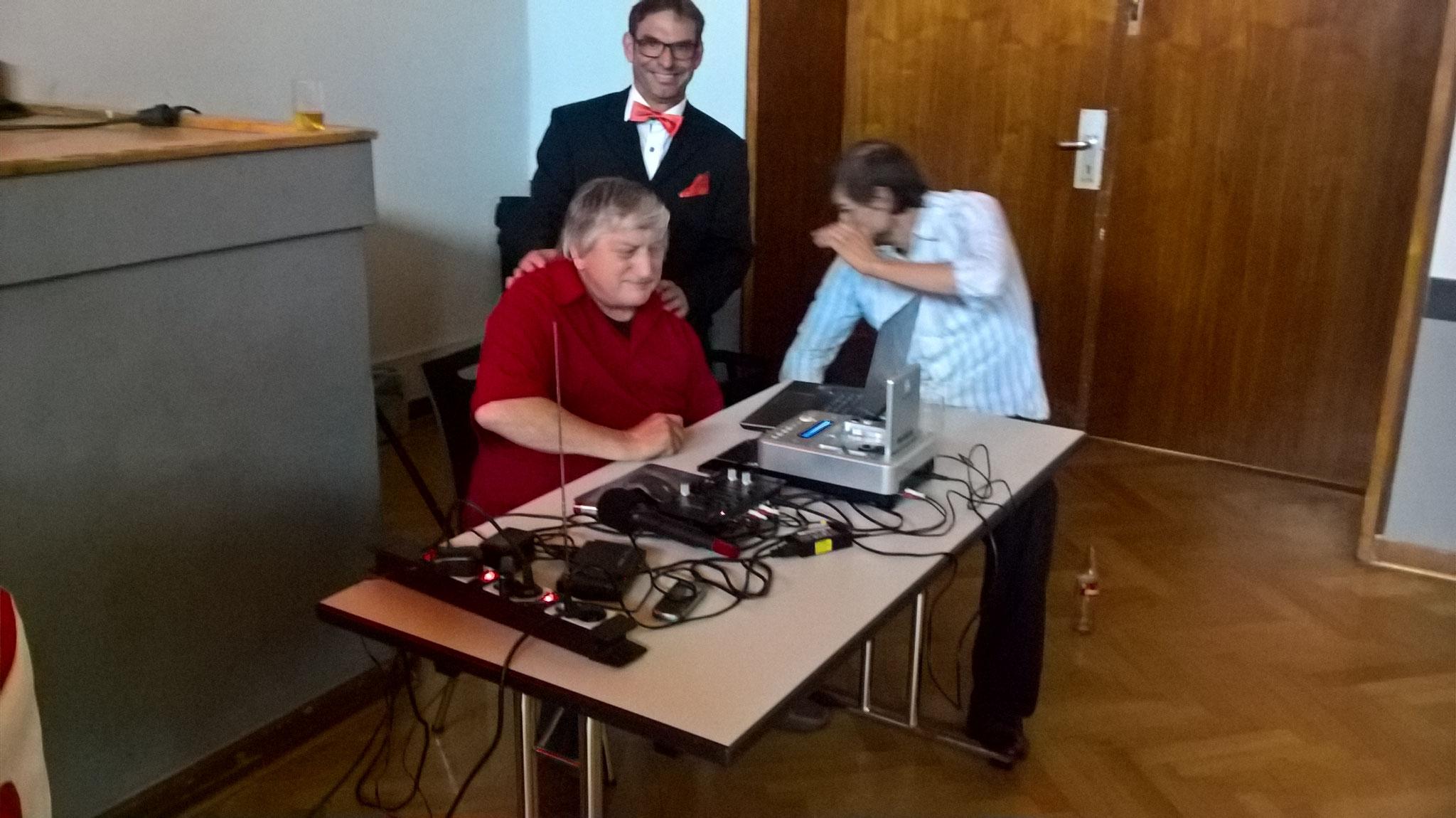 Der DJ Reinhard legt auf