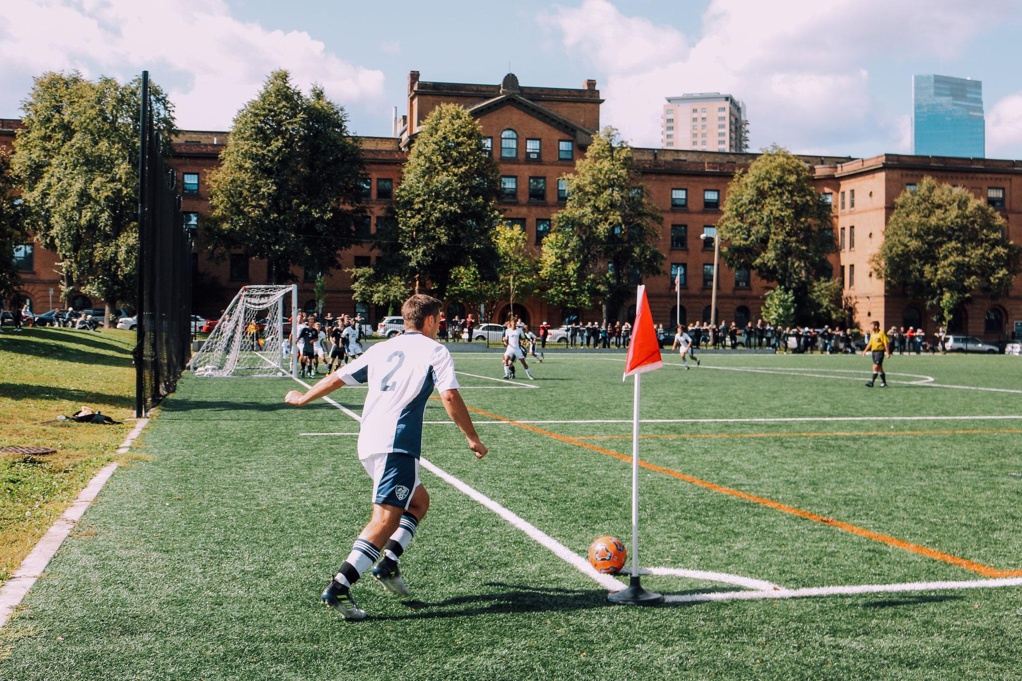 サッカードリブル神業フェイント 写真にはキャプション(説明)を入れたりページにリンクさせたりすることが出来ます。