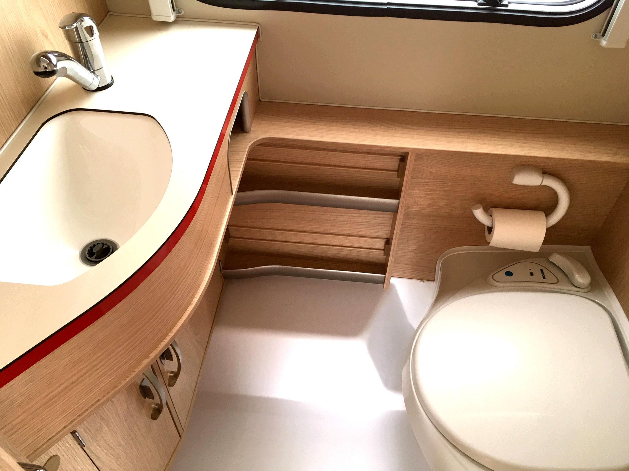 zeitreise in die 50er jahre der eriba troll 530. Black Bedroom Furniture Sets. Home Design Ideas