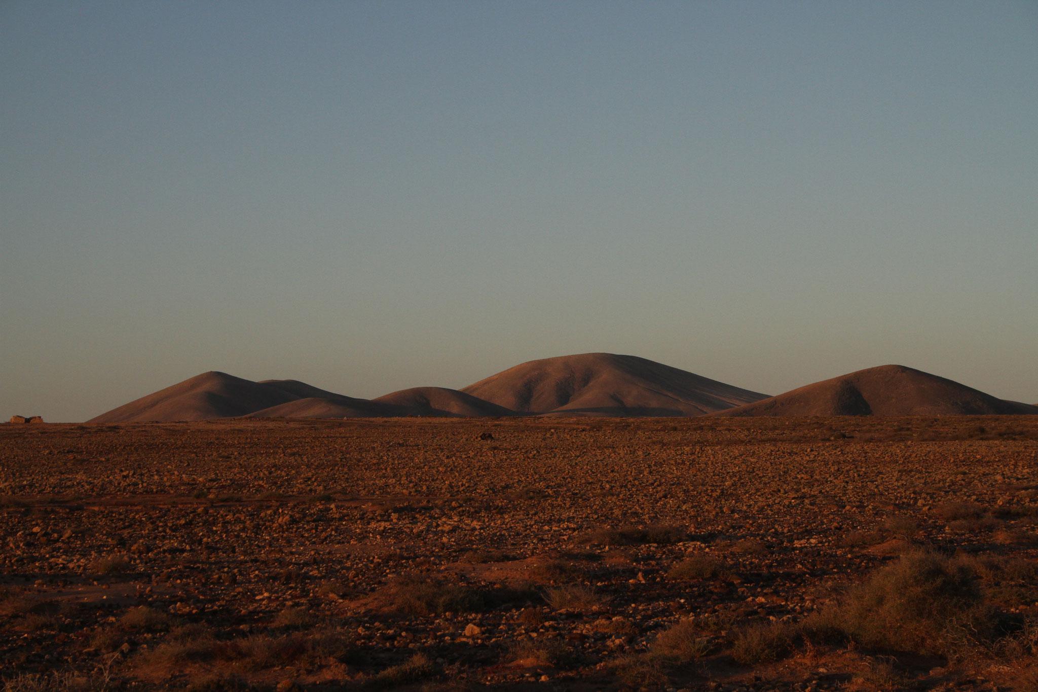 Eine Rundtour durch die Tindaya-Plains am Abend ...
