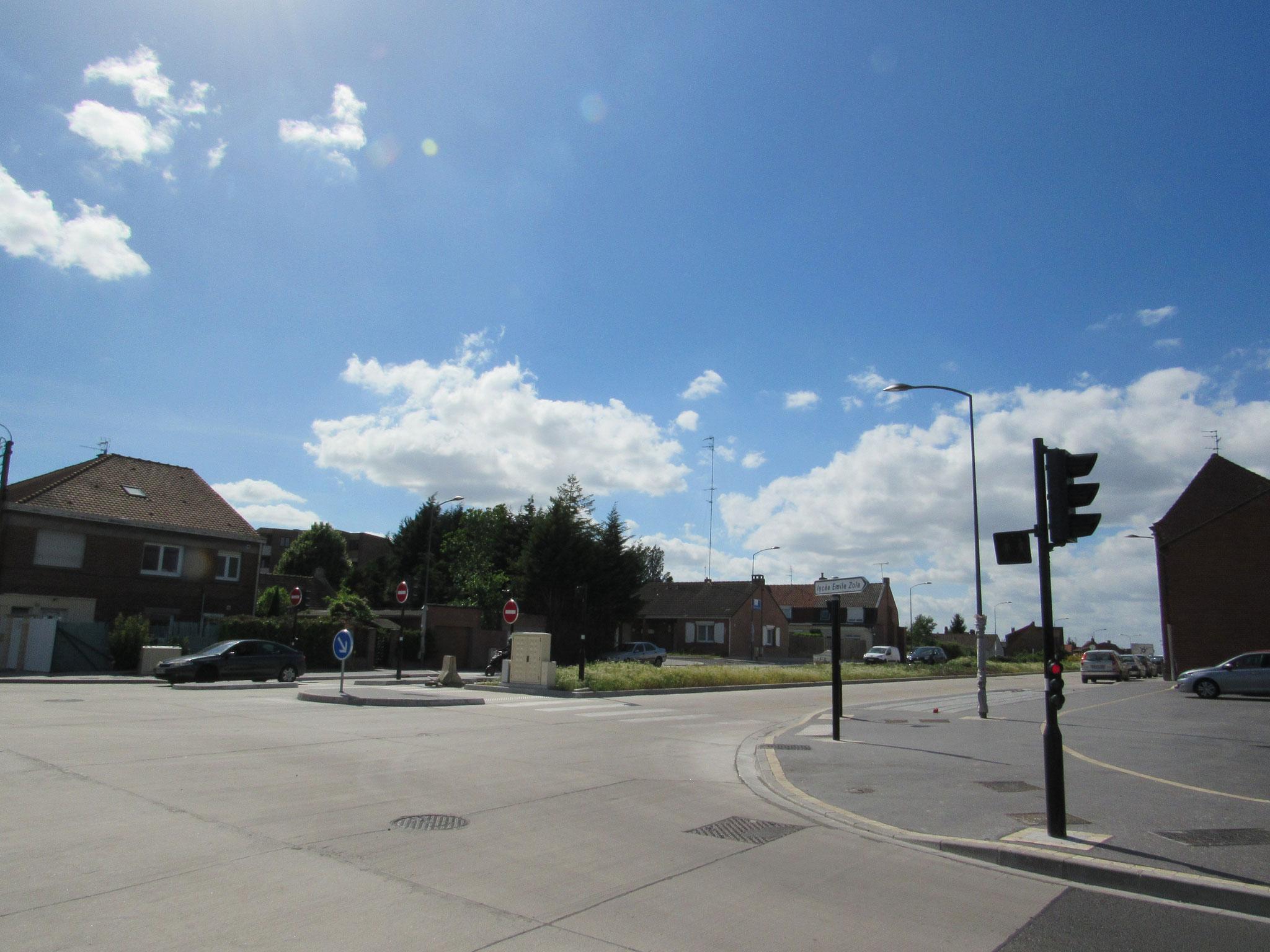 En venant du Quartier Beaulieu, la L3 tournera à droite pour s'engager rue Vallon.