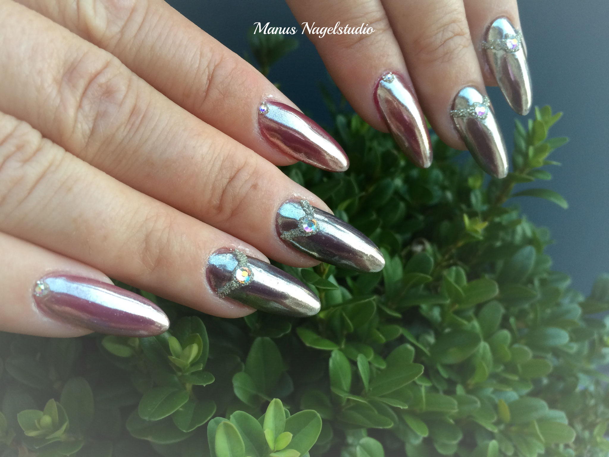 Chrome-Look / Manus Nagelstudio Kehl