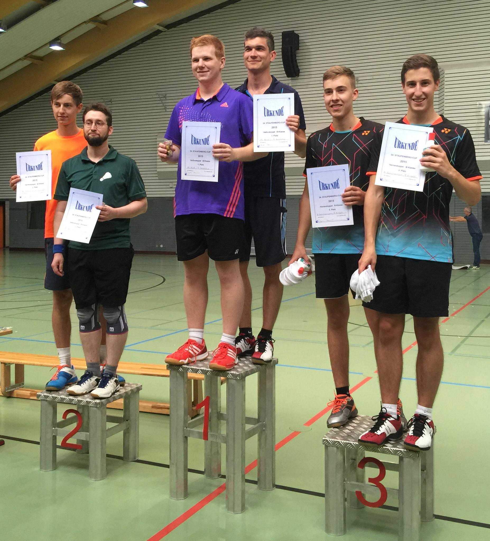 Siegerehrung Herrendoppel 1. Platz Timo und Matthias (mitte)