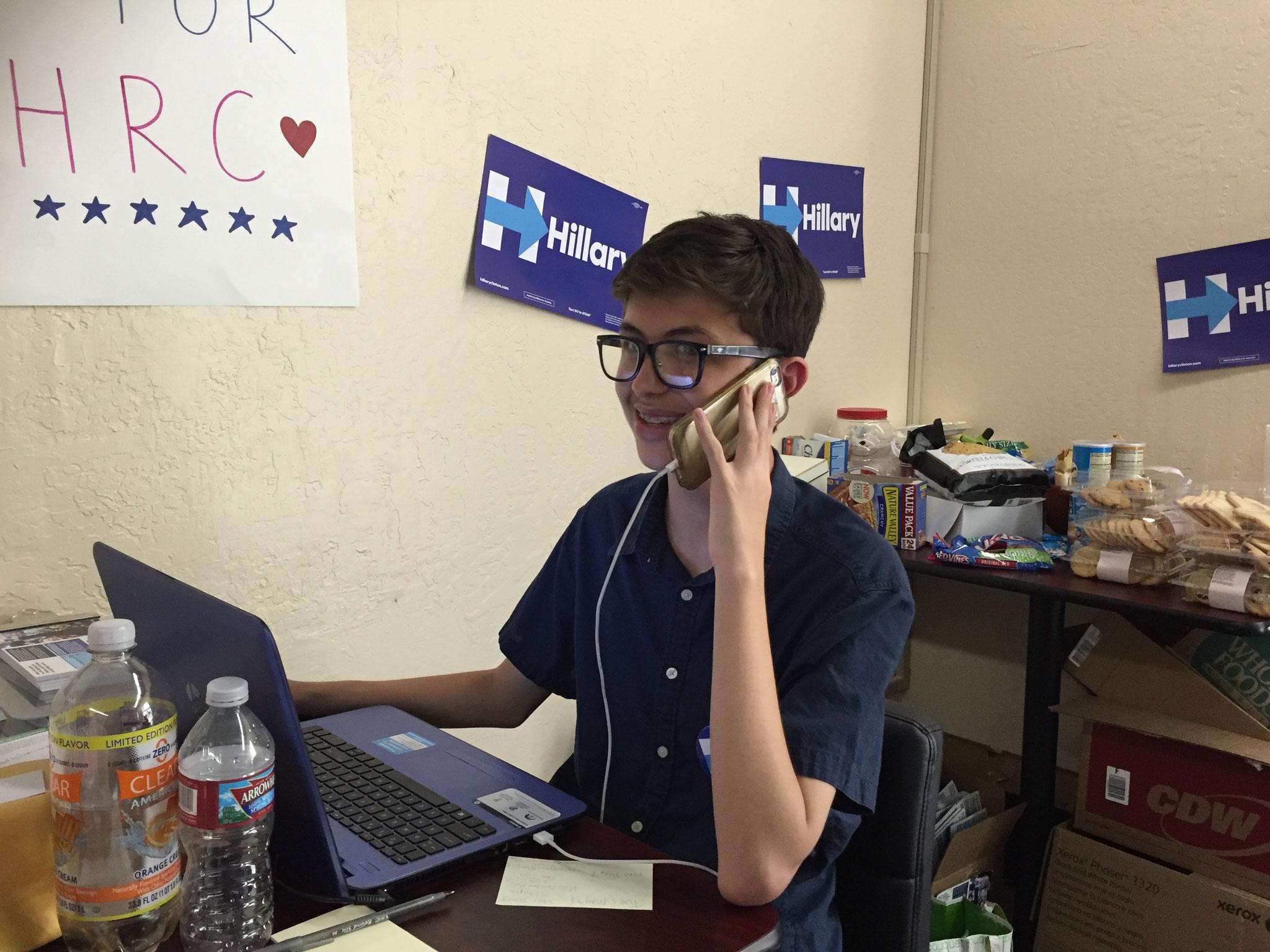 Charlie Heiting, 15 und Zahnspangenträger, ist vielleicht Hillary Clintons jüngster Wahlkampfhelfer