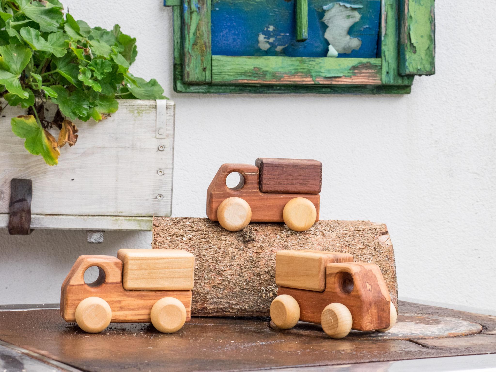 Kinderspielzeug aus Holz handgefertigt