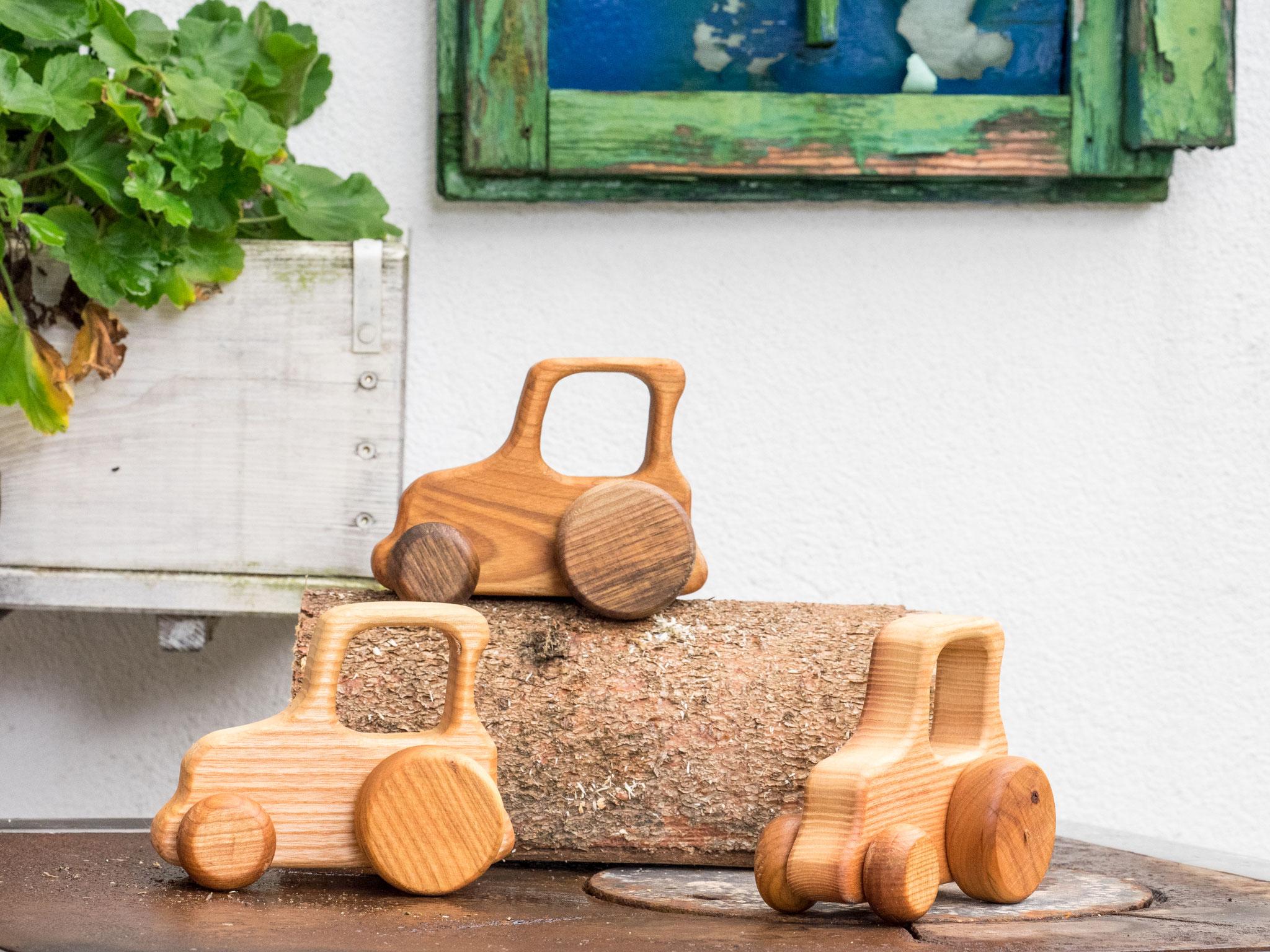 Traktor aus Edelhölzer