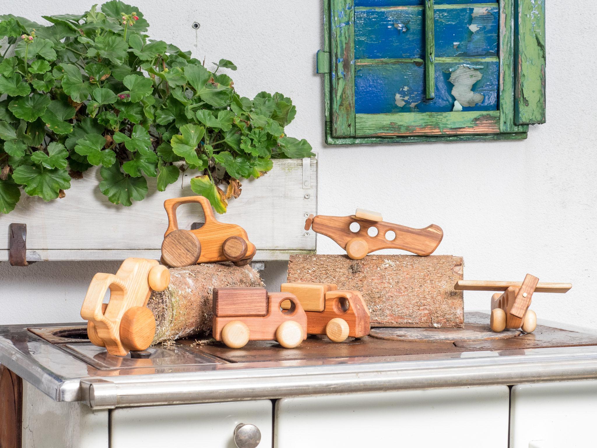 Spielzeug aus Holz für Kinder