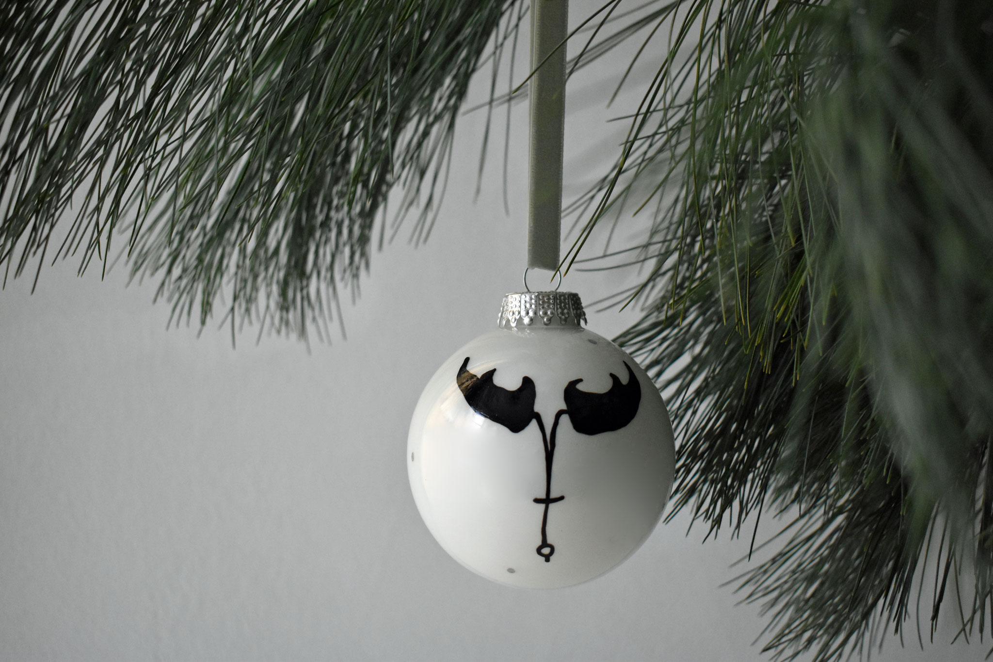 """Hunter"" glass Christmas ornament, ∅ 8 cm € 24,90"