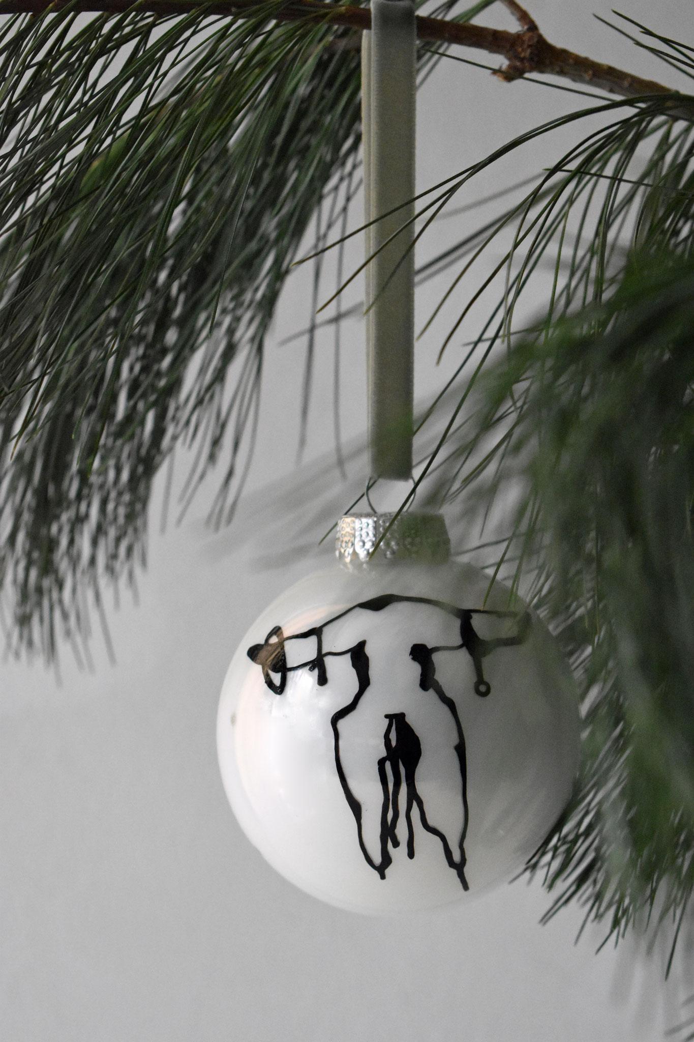 """Hank"" glass Christmas ornament, ∅ 8 cm € 24,90"