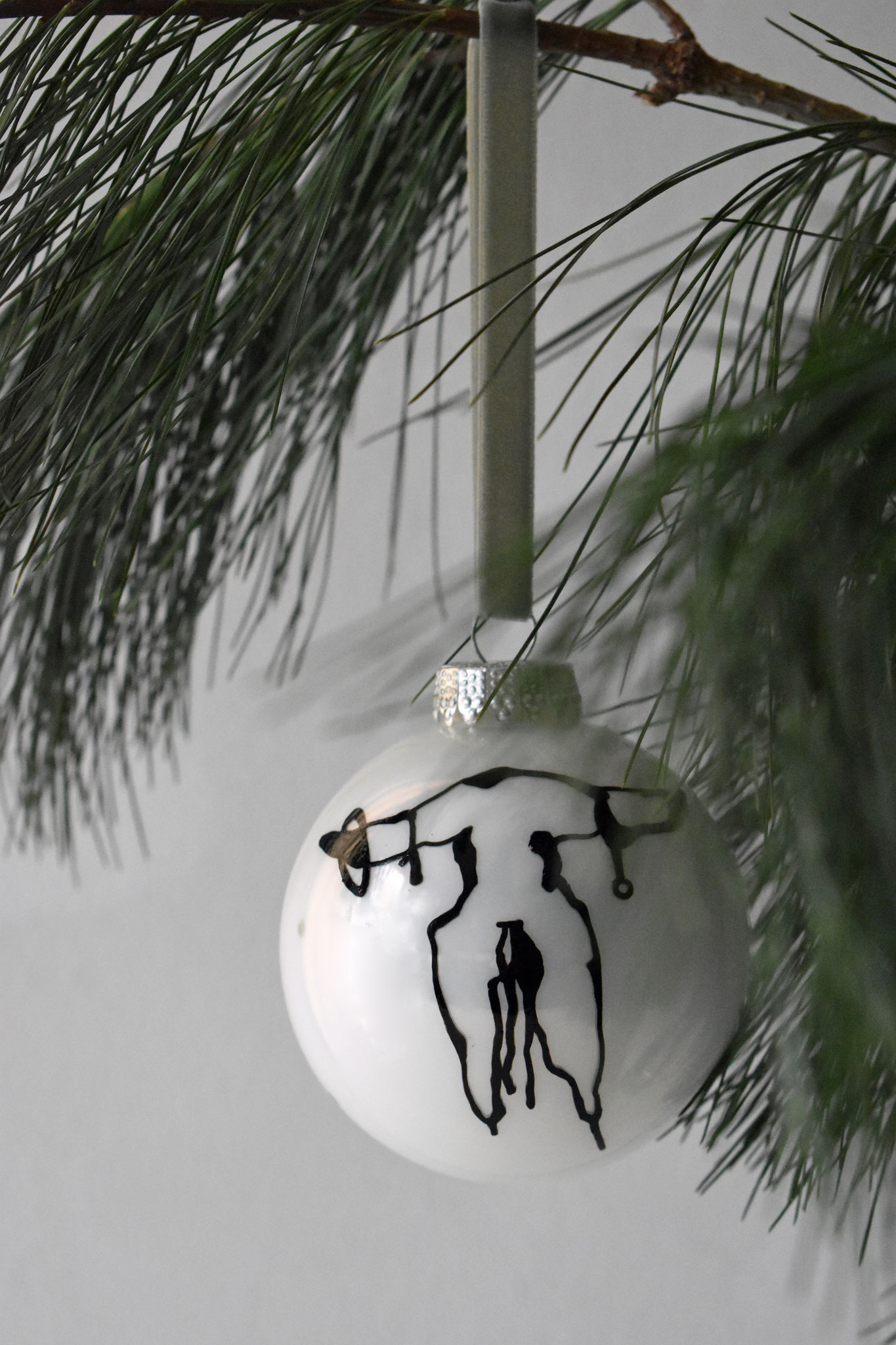 """Hank"" glass Christmas ornament, ∅ 8 cm 