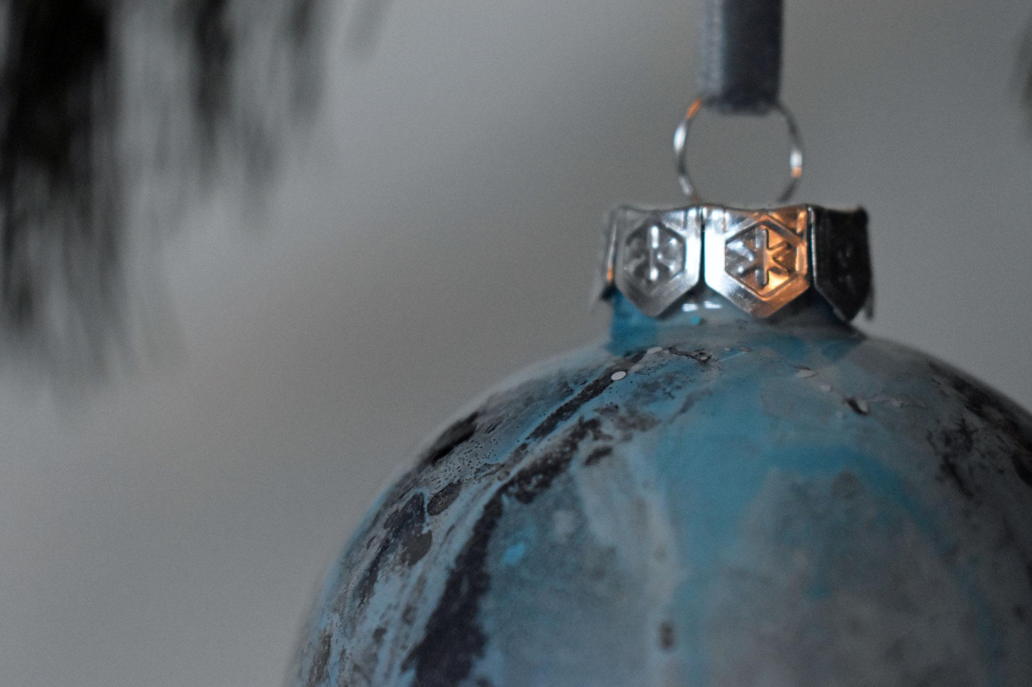 """Ice Flower"" glass Christmas ornament, ∅ 8 cm € 39.-"
