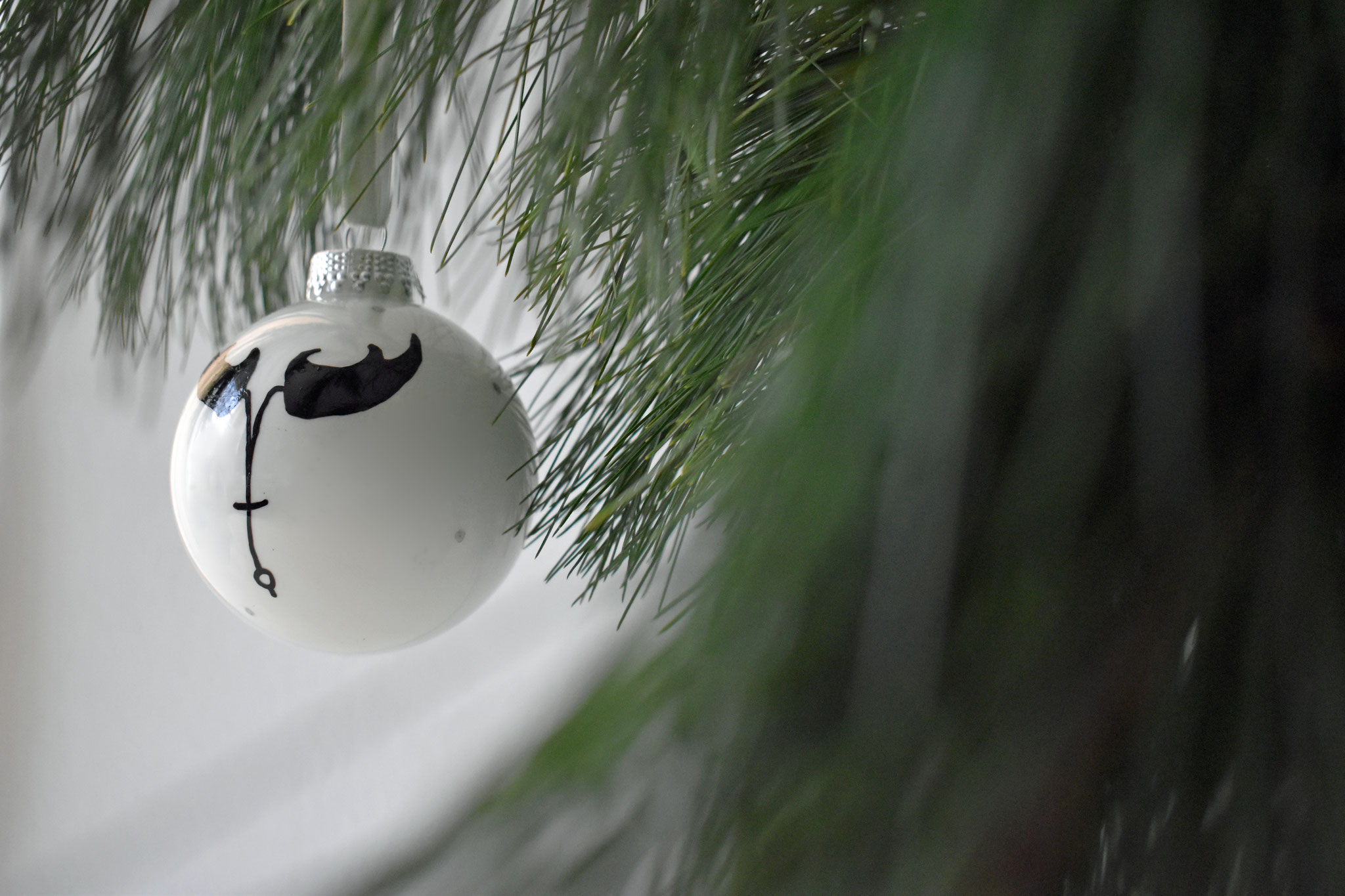 """Hunter"" glass Christmas ornament, ∅ 8 cm € 24,90 SOLD"