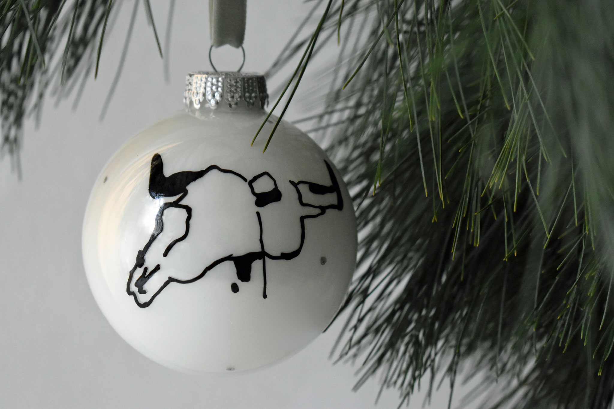 """Henry"" glass Christmas ornament, ∅ 8 cm NOW € 12,50 (€ 24,90)"