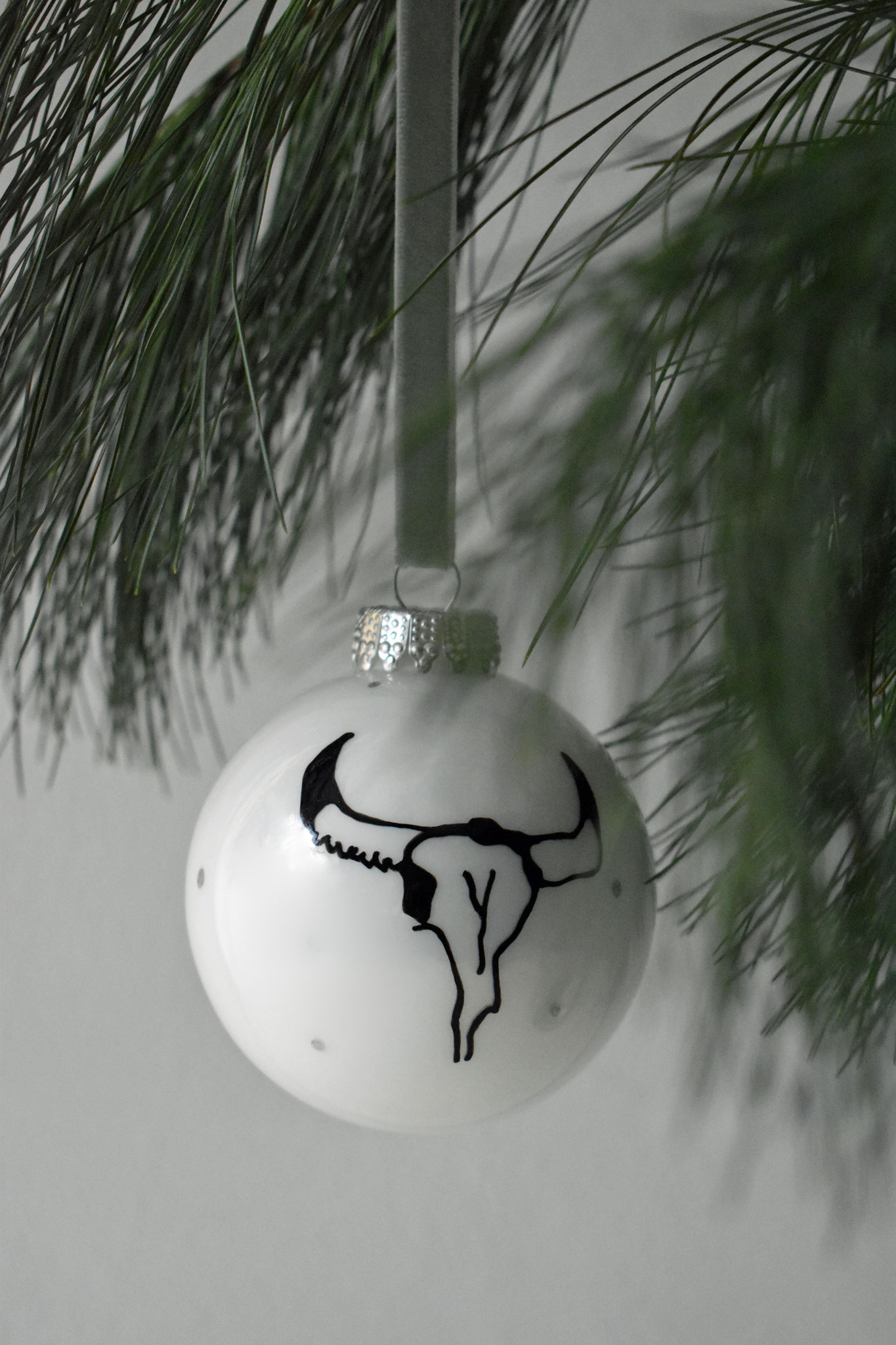 "SOLD ""Jack"" glass Christmas ornament, ∅ 8 cm € 24,90"