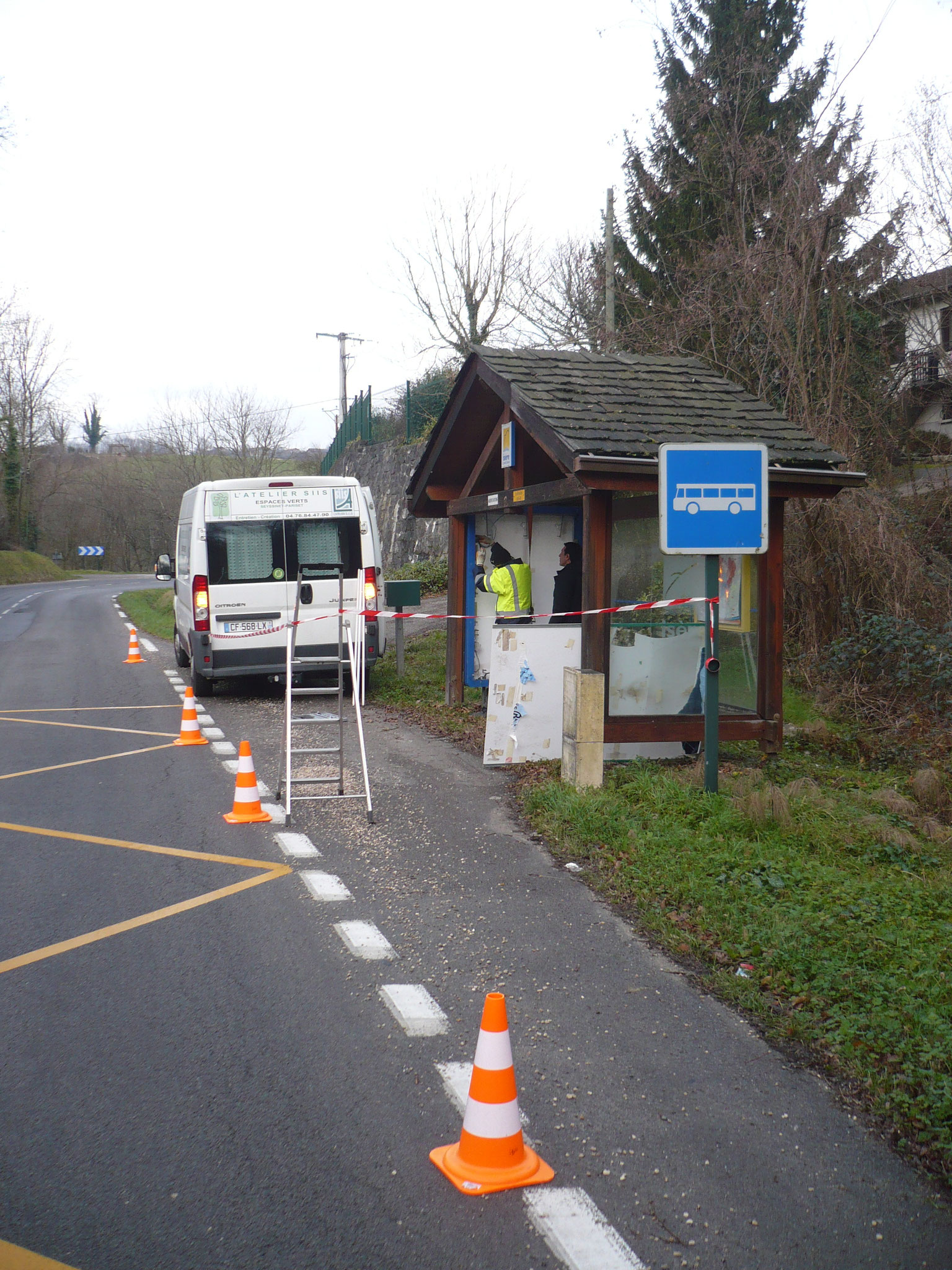 Intervention de maintenance sur abri bus du Conseil Départemental