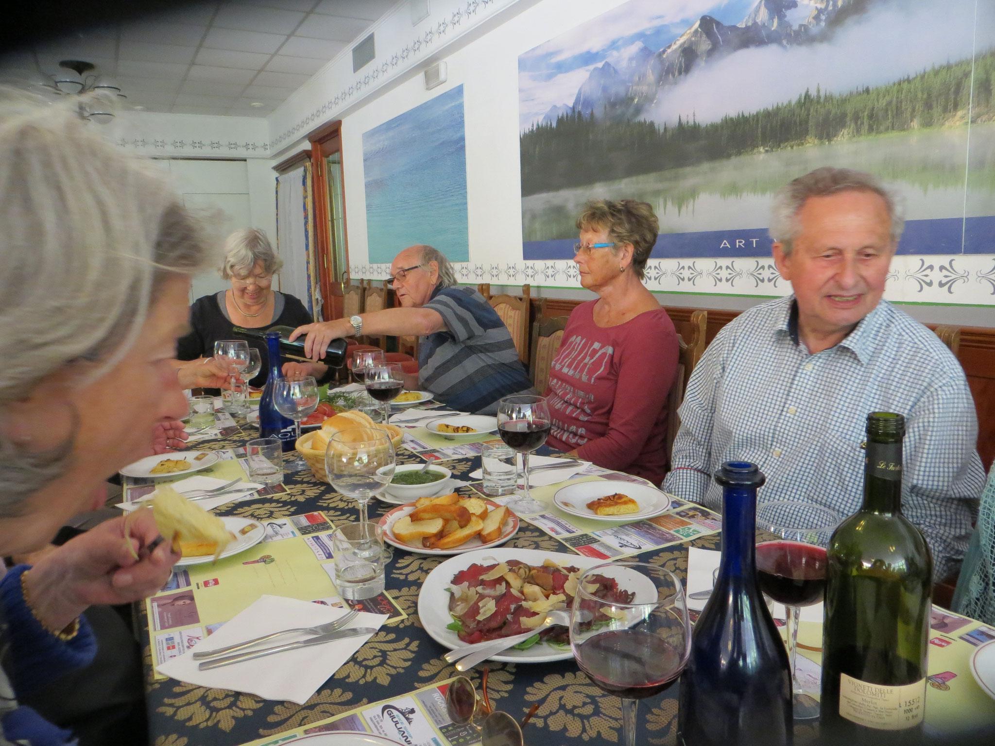 """Mittagstisch """" Lago di Tenno"""""""