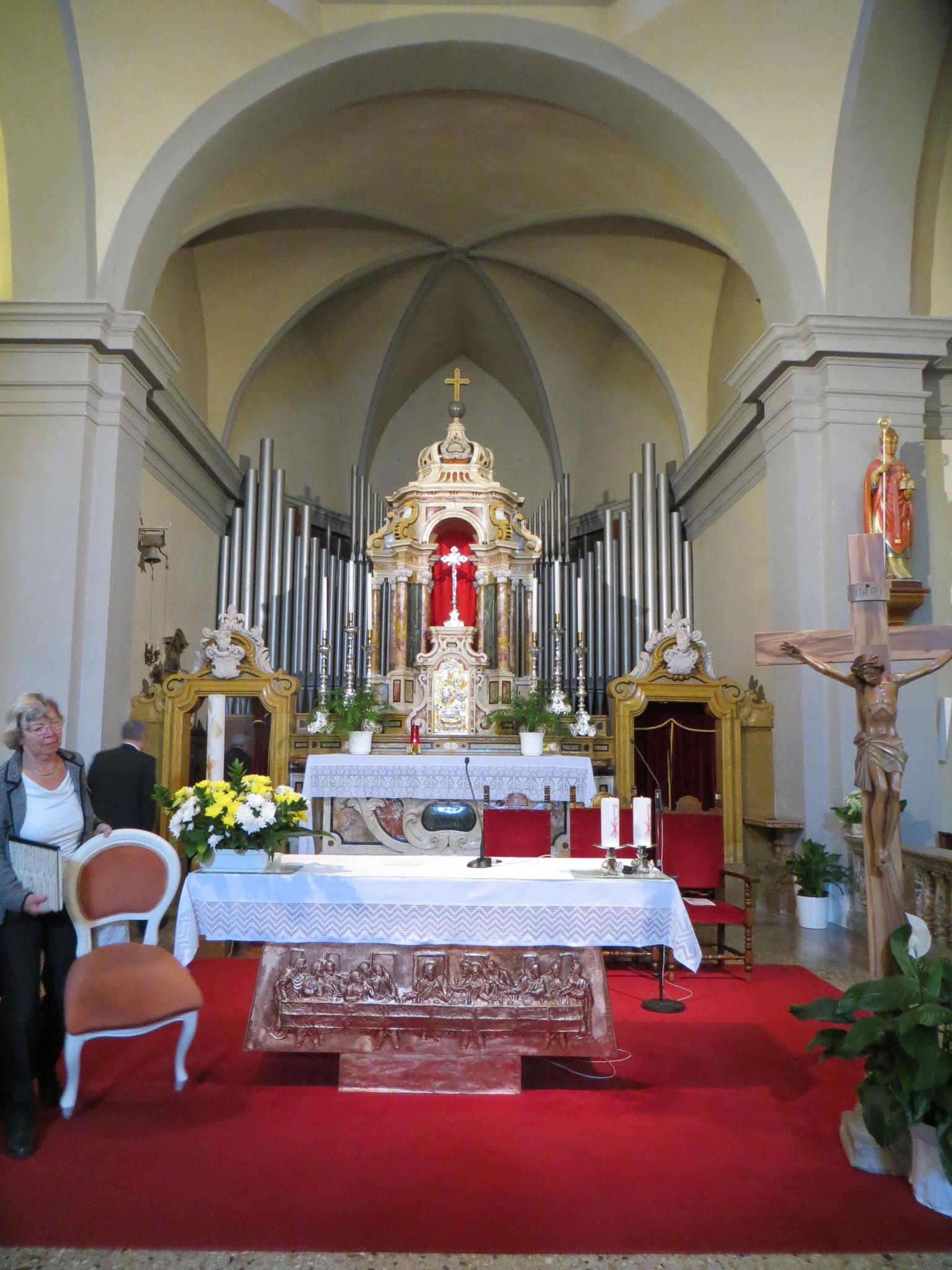 Kirchenkonzert am Sonntag in den Bergen in der Kirche San Vigilio in Nago.